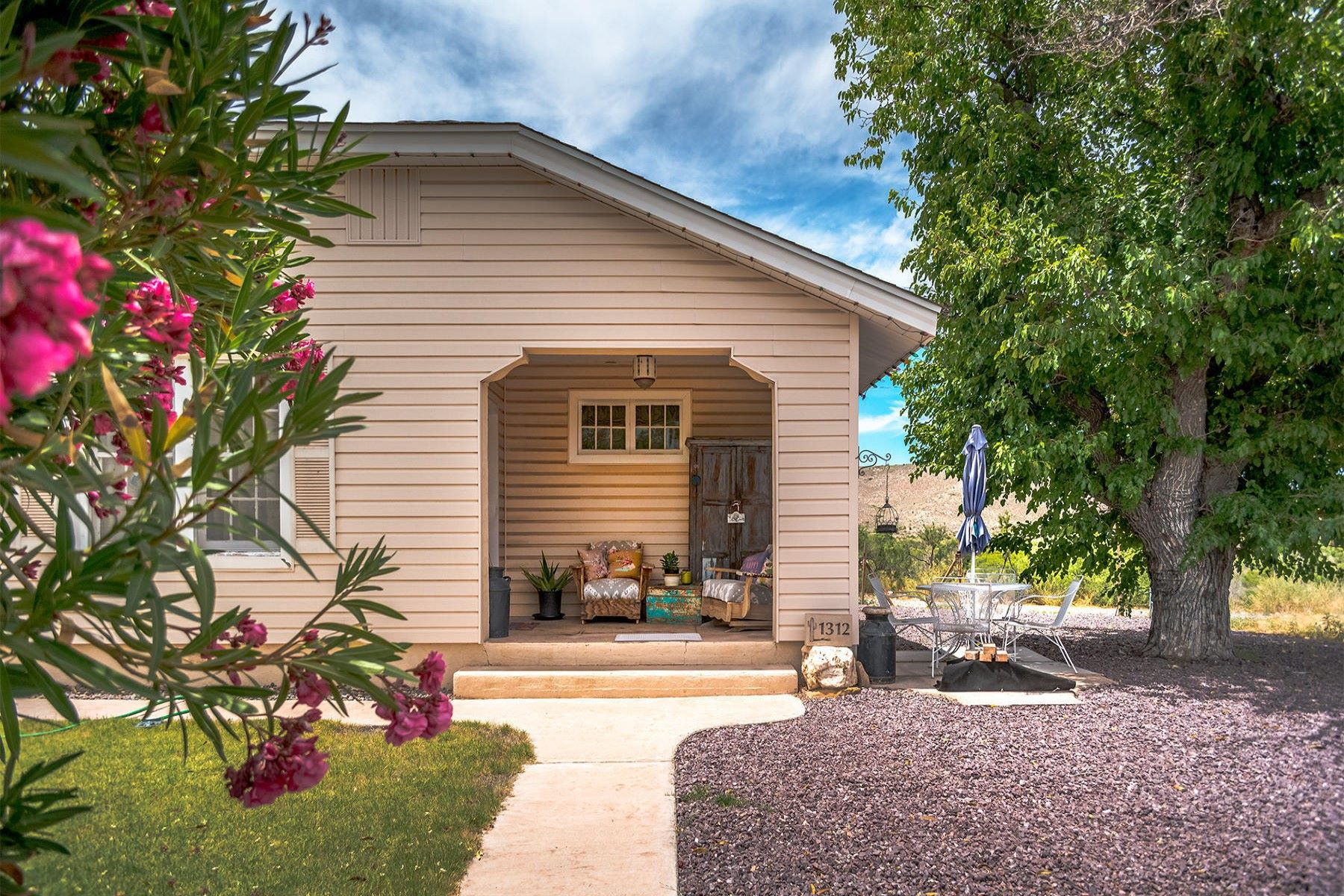 Single Family Homes for Active at Historic Cutie Pie 1312 First North St Clarkdale, Arizona 86324 United States