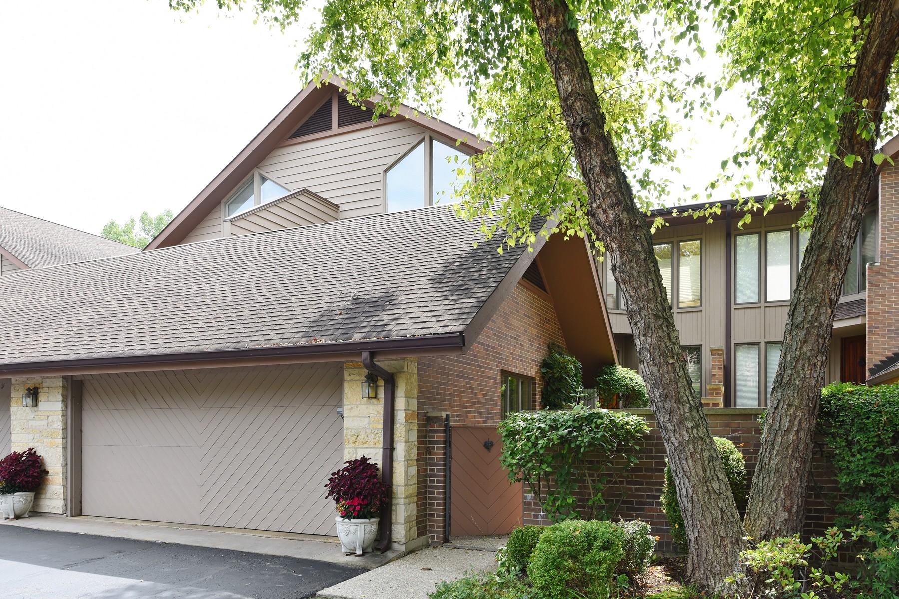 Maison unifamiliale pour l Vente à 1202 Hawthorne Hinsdale, Illinois, 60521 États-Unis