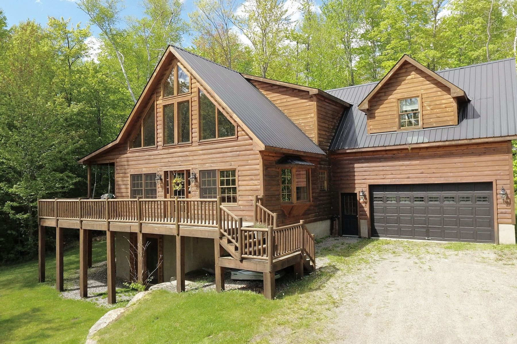 Casa Unifamiliar por un Venta en Beautiful Vacation Home 380 Wonder Ln, Jamaica, Vermont, 05343 Estados Unidos