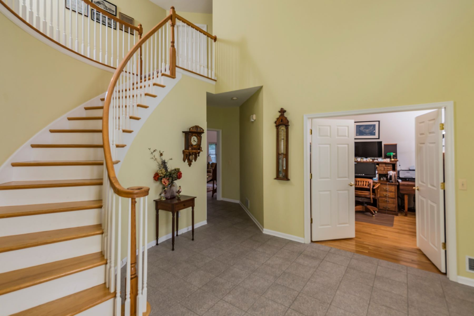 Additional photo for property listing at A Place to Call Home 5 Ringos Mill Road Hopewell, ニュージャージー 08525 アメリカ合衆国