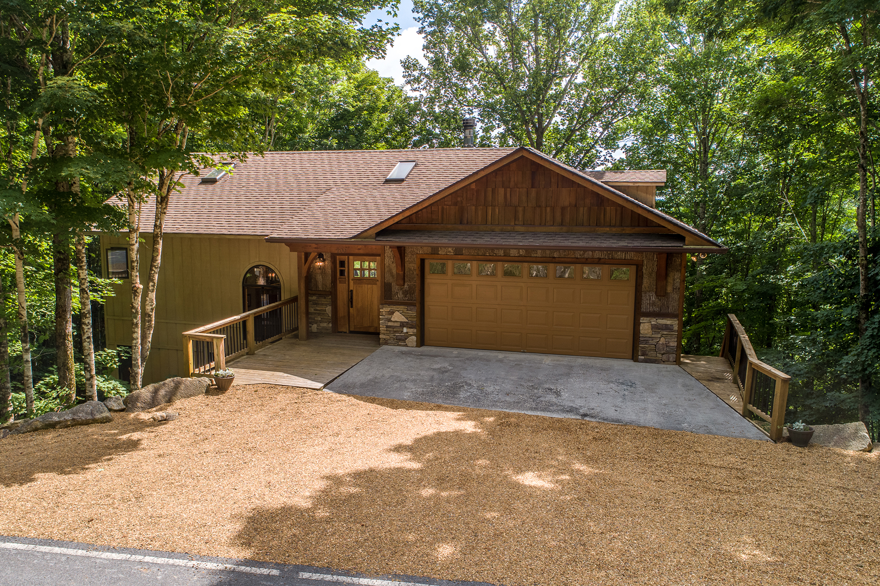 Single Family Homes for Sale at BEECH MOUNTAIN - GRASSY GAP LOW 200 St. Andrews Rd Beech Mountain, North Carolina 28604 United States