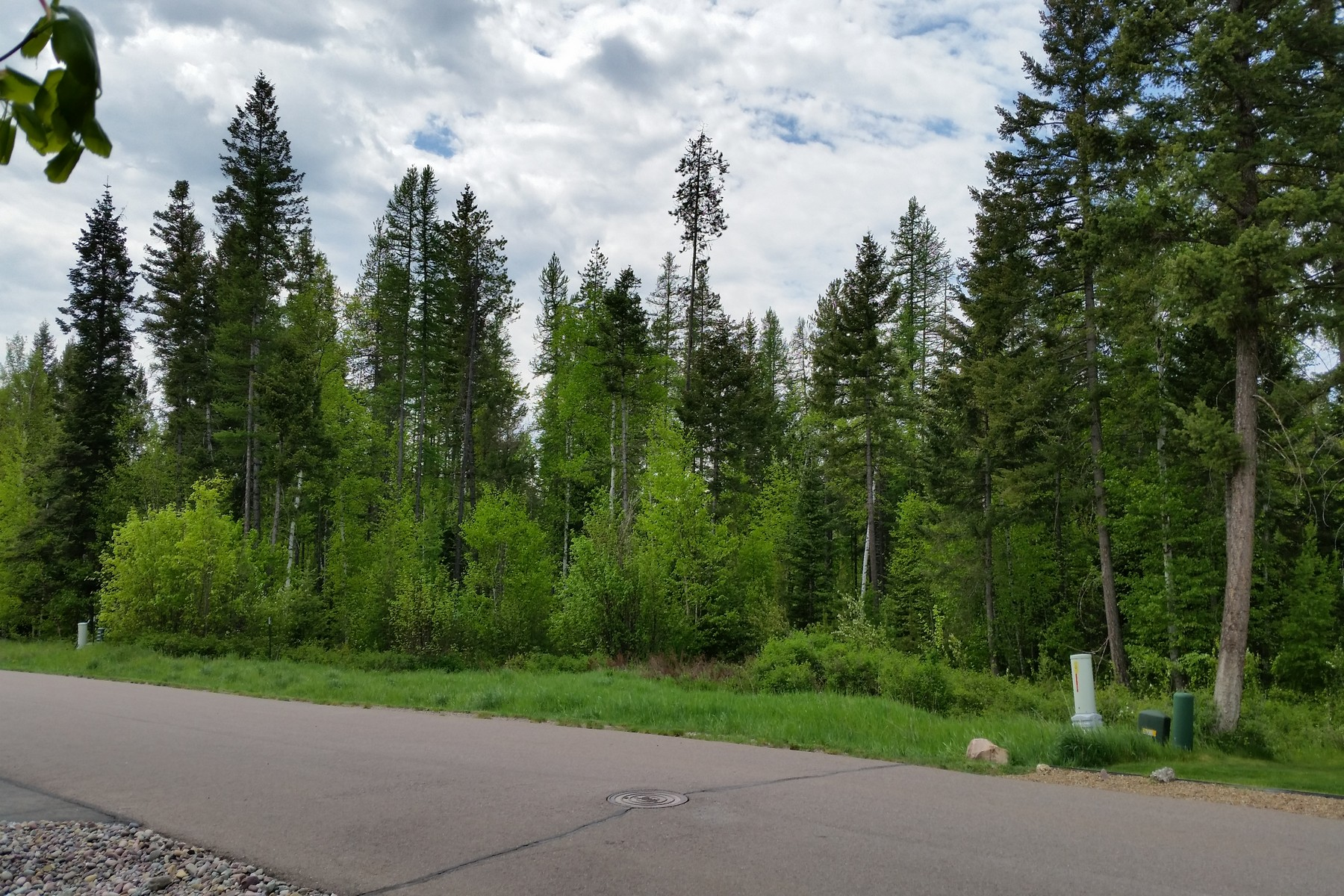 Additional photo for property listing at 164 Oakmont Loop , Columbia Falls, MT 59912 164  Oakmont Loop Columbia Falls, Montana 59912 United States
