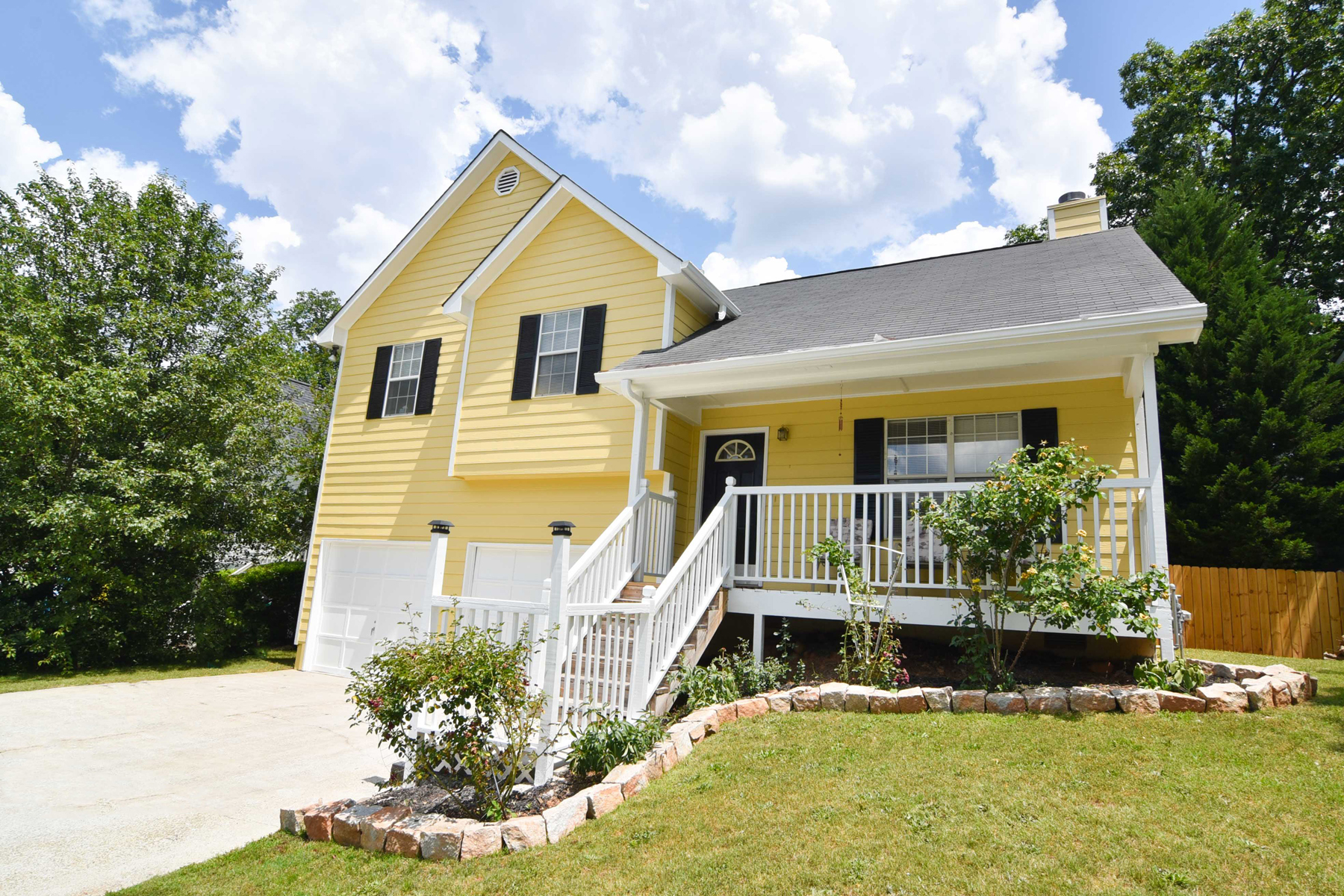 Single Family Home for Sale at Beautifully Maintained Smyrna Home 2752 Sanibel Ln Smyrna, Georgia, 30082 United States