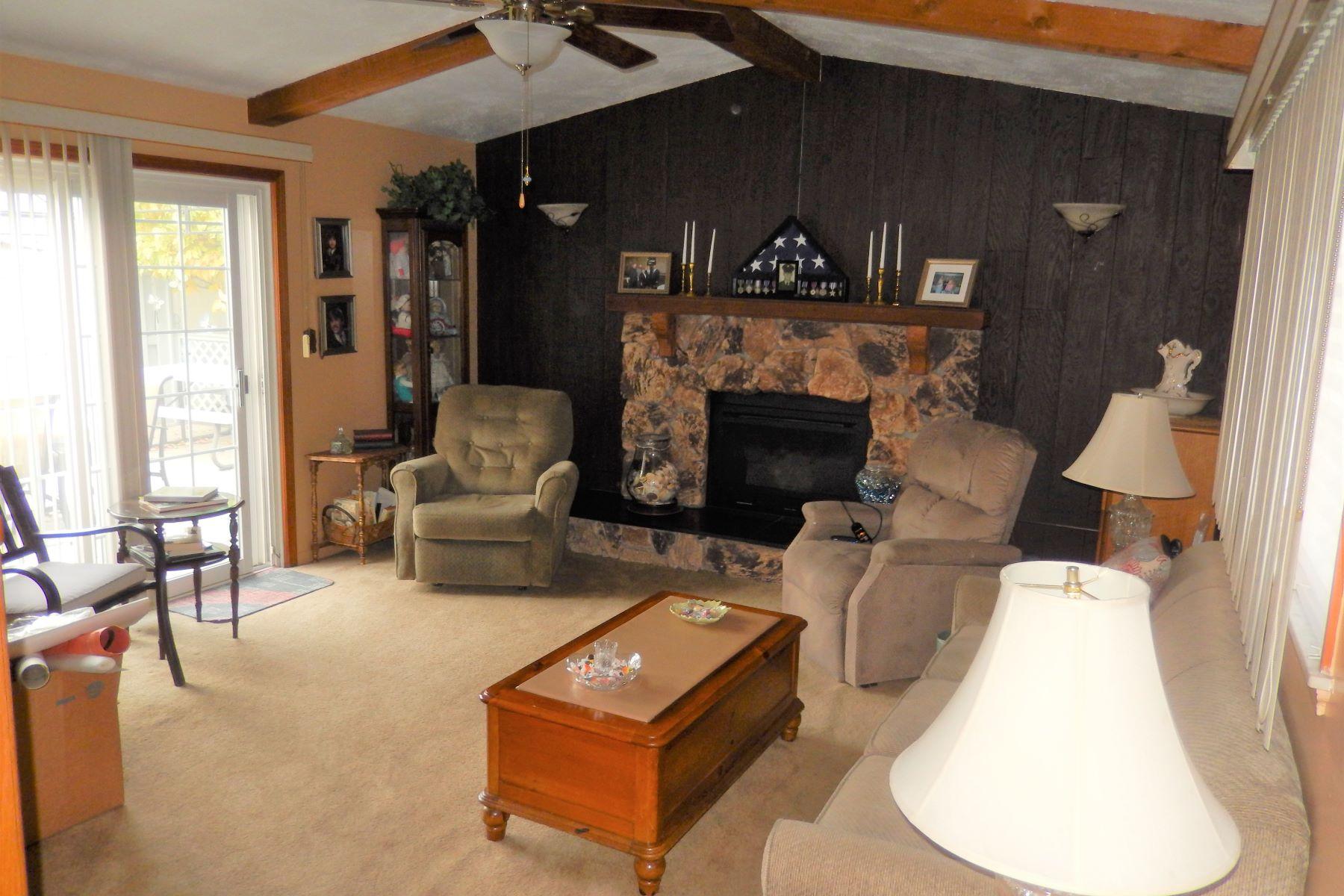 Single Family Homes 为 销售 在 3596 Caryn Melvindale, 密歇根州 48122 美国