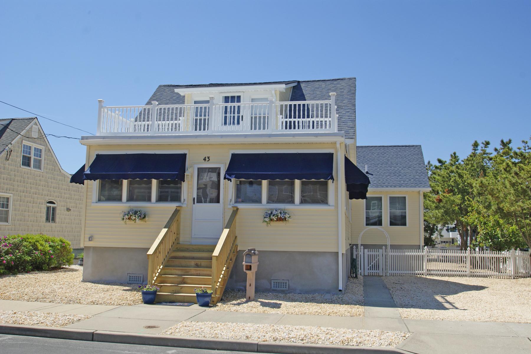 Частный односемейный дом для того Продажа на Beautifully Remodeled To Perfection 43 9th Avenue, Seaside Park, Нью-Джерси 08752 Соединенные Штаты