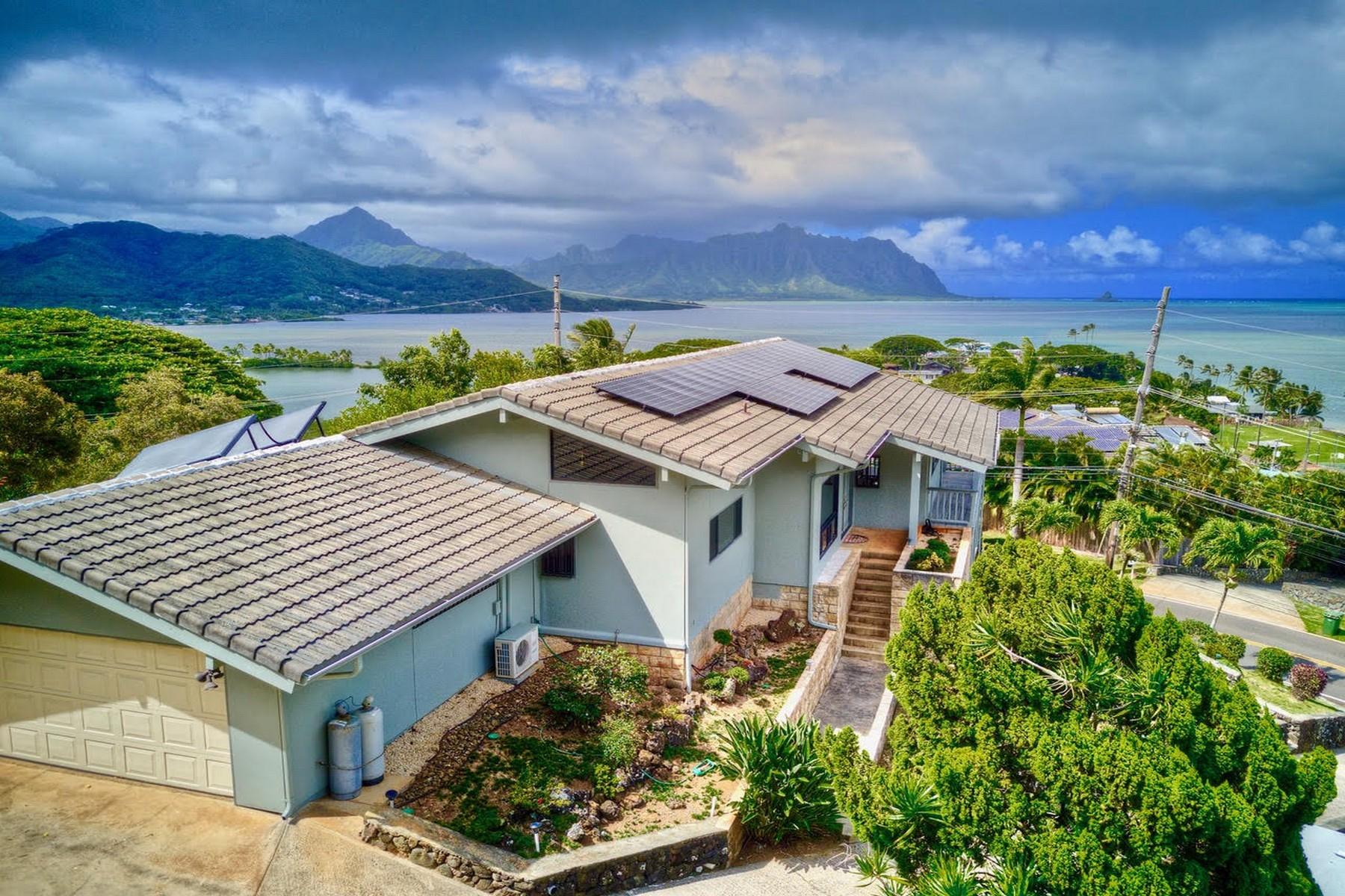 Single Family Homes för Försäljning vid Tranquil Hillside Home 47-446 Lulani St, Kaneohe, Hawaii 96744 Förenta staterna