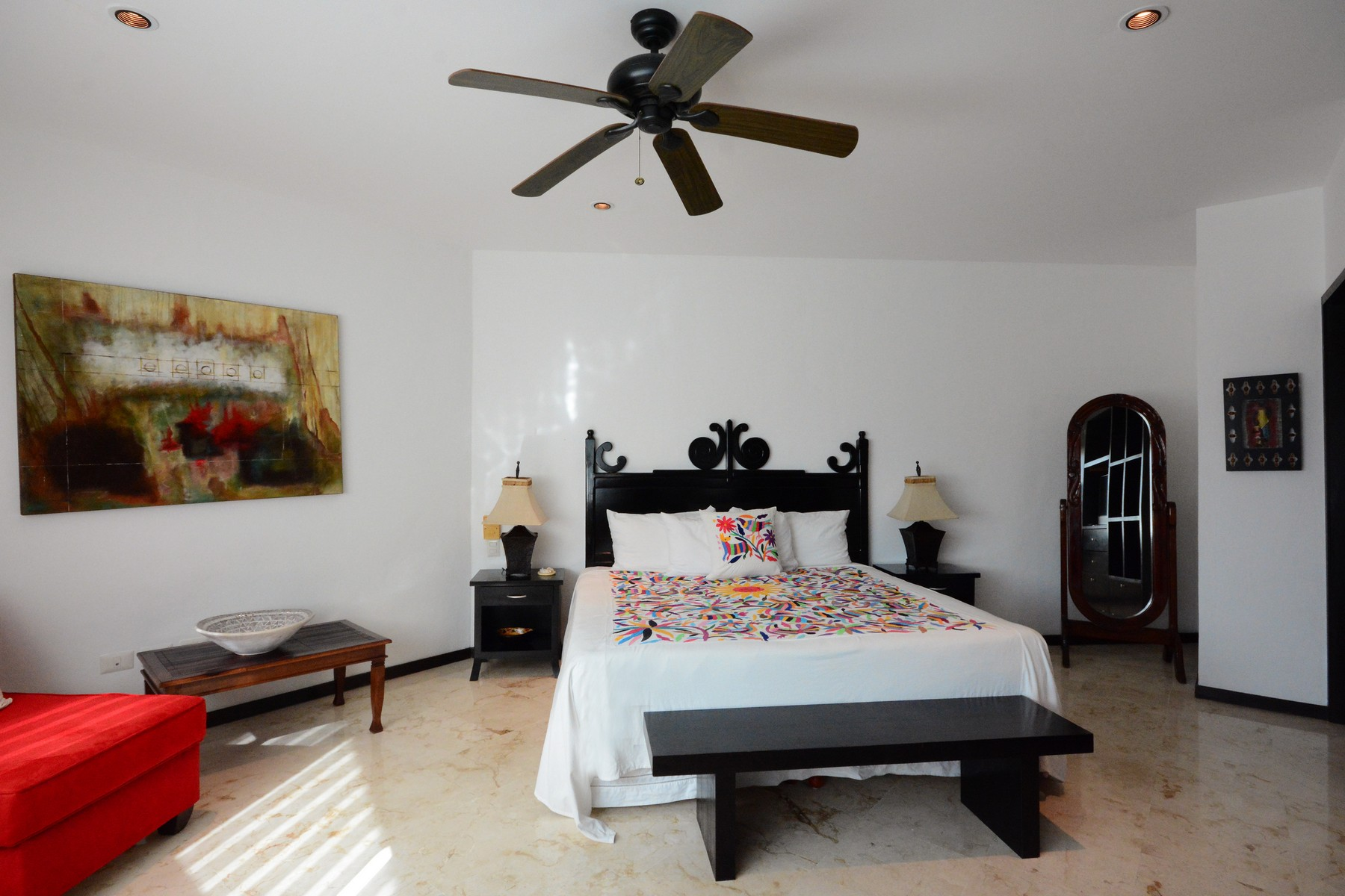 Additional photo for property listing at UNBEATABLE LOCATION AND PRIVACY CONDO  Playa Del Carmen, Quintana Roo 77710 Mexico