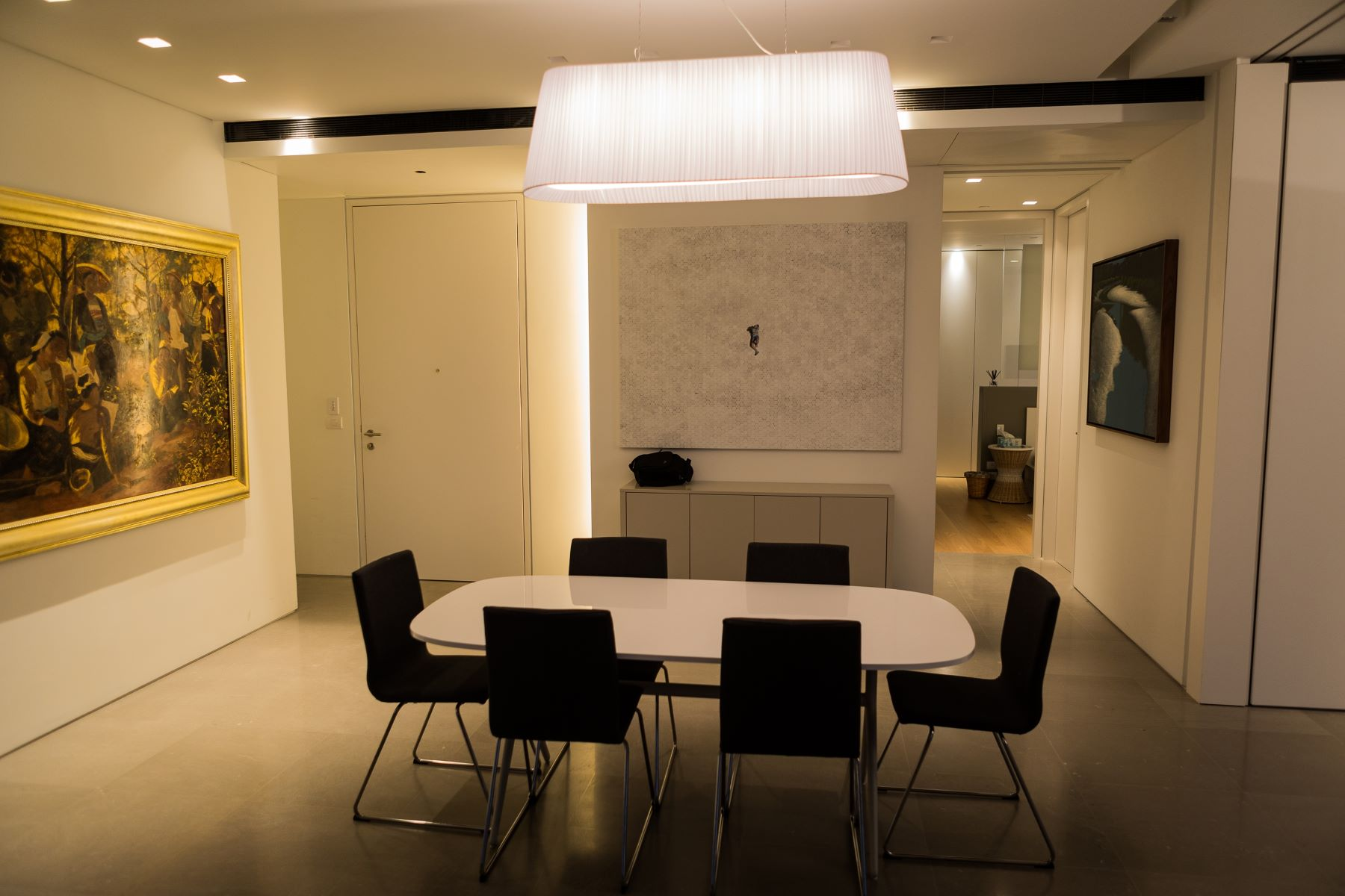 Additional photo for property listing at Sea View Designer Apartment on Rothschild Boulevard Tel Aviv, Israel Israel