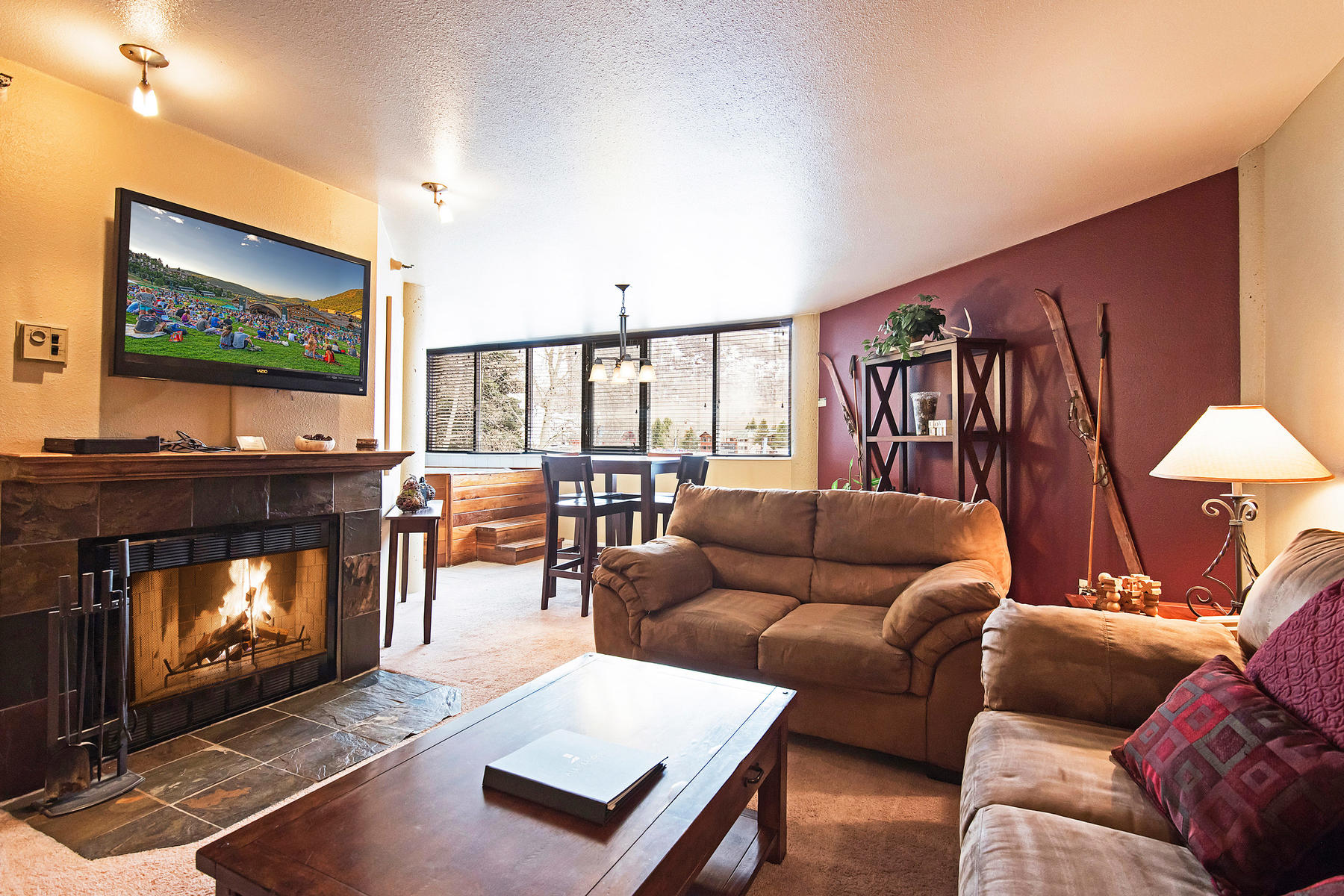Copropriété pour l Vente à Park City Mountain is Steps from Your Door! 1485 Empire Ave # 319 Park City, Utah, 84060 États-Unis