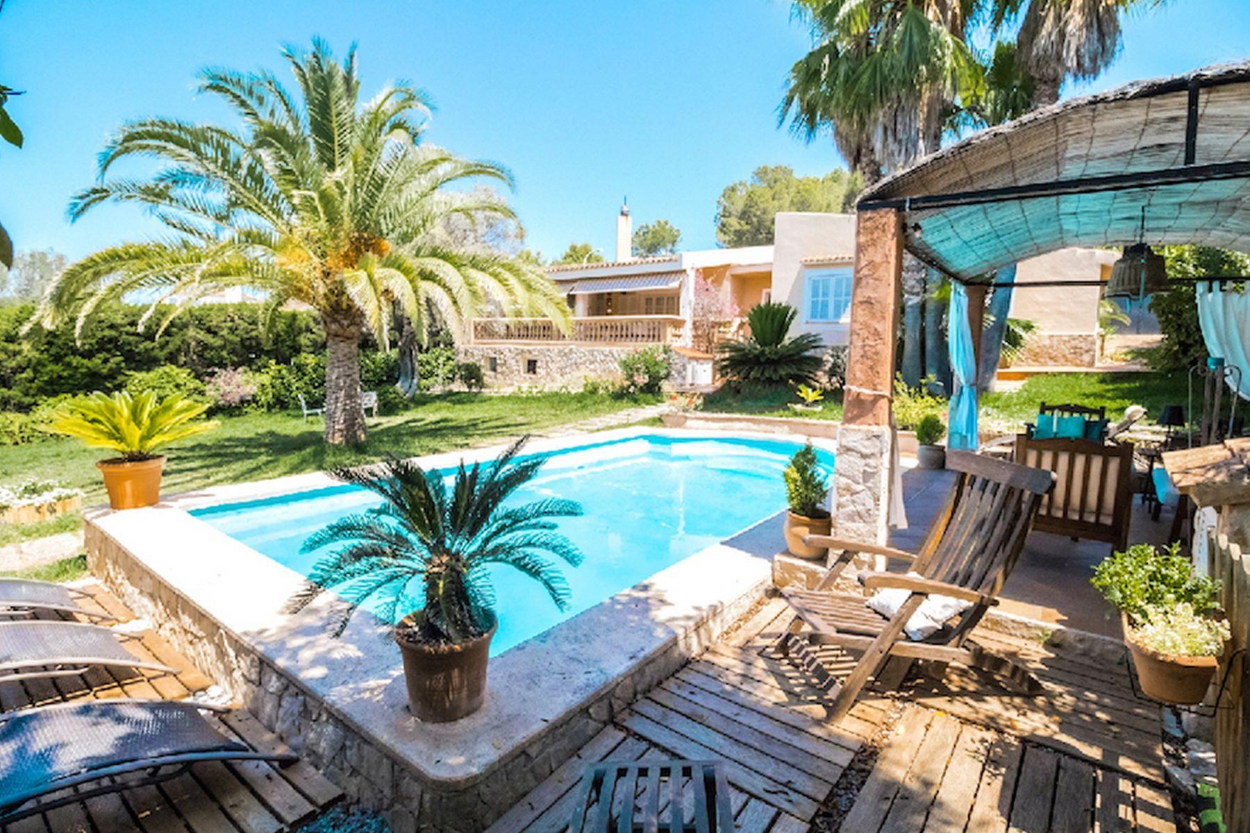 단독 가정 주택 용 매매 에 Villa con piscina y jardín en Santa Ponsa Nova Santa Ponsa, 말로카, 스페인
