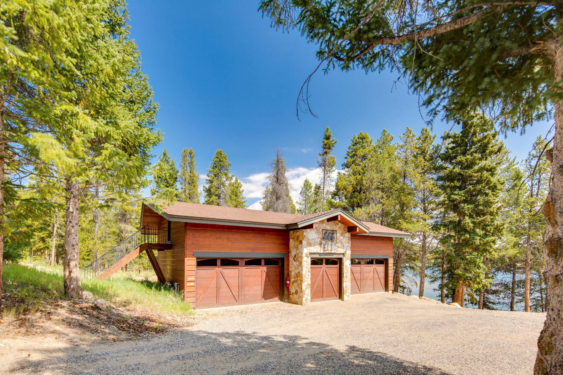 Additional photo for property listing at Rabbit Ears Lodge 2596 County Road 186 Kremmling, Colorado 80459 United States