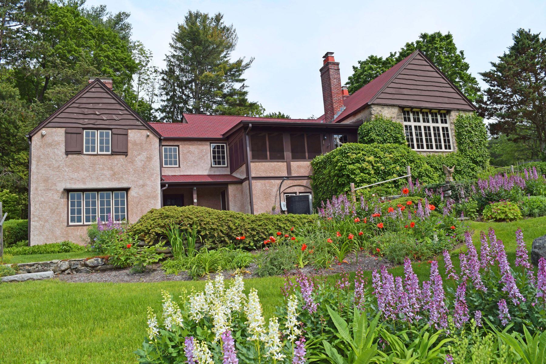 Casa Unifamiliar por un Venta en 1910 Country Property 40 Bolton Road Harvard, Massachusetts 01451 Estados Unidos