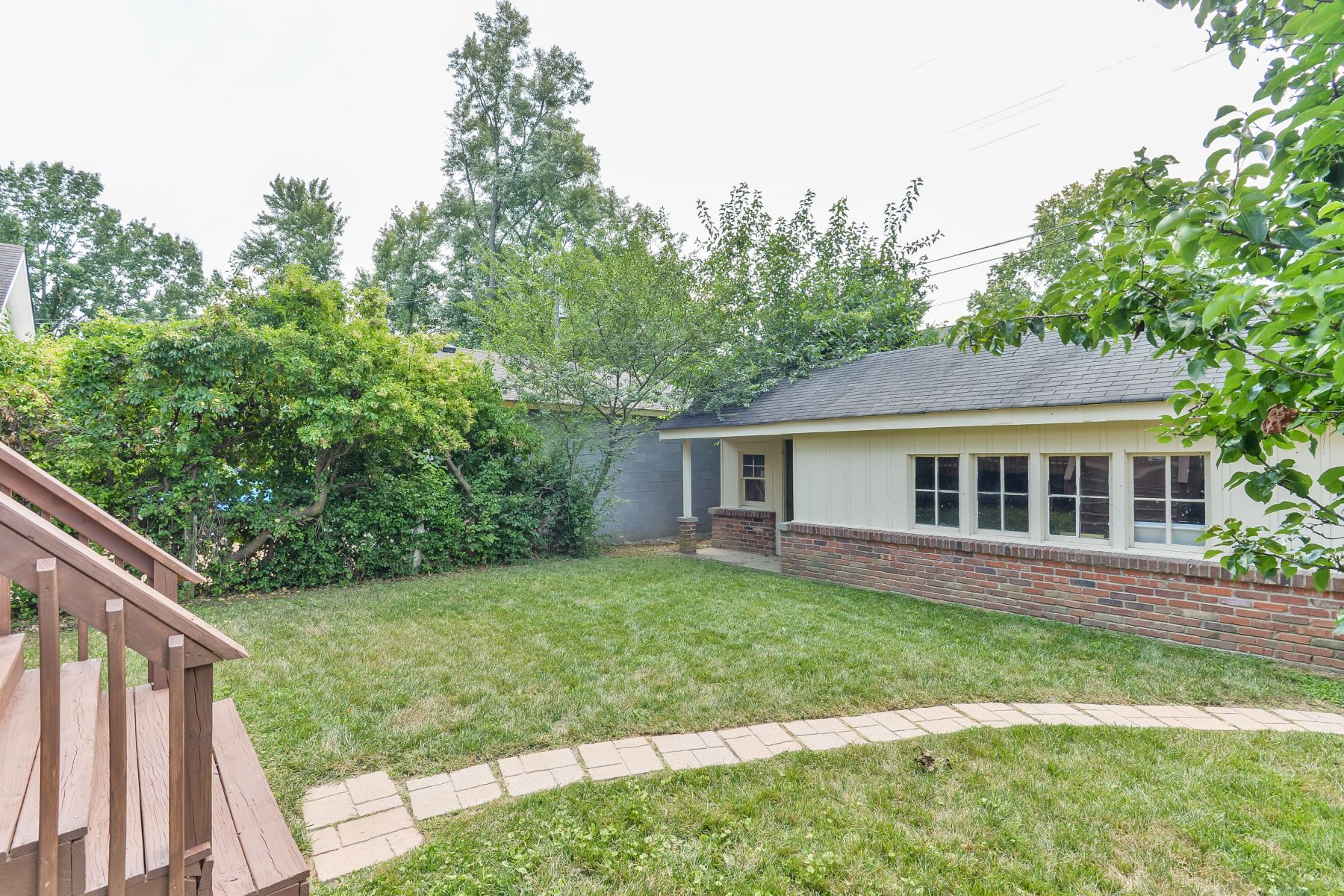 Additional photo for property listing at 400 Wendover Avenue  Louisville, Kentucky 40207 United States