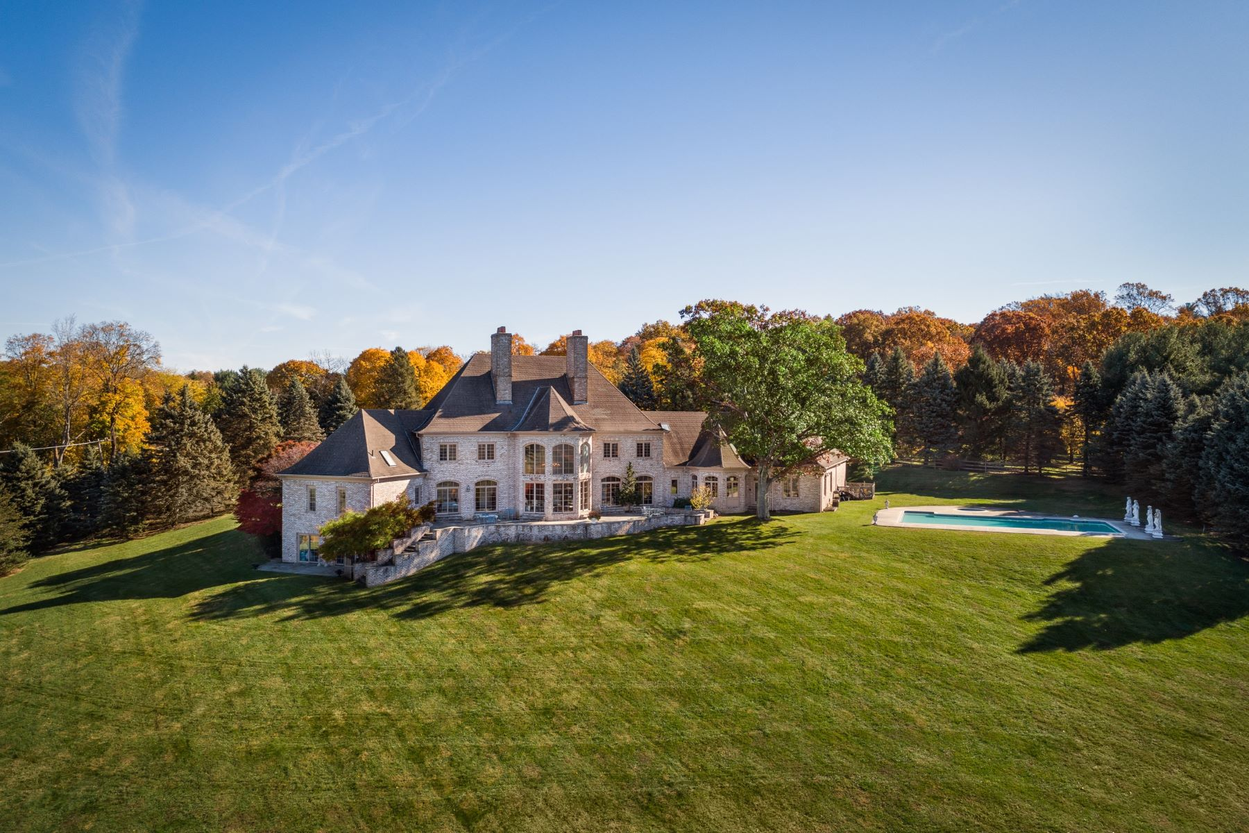 Single Family Home for Sale at Picture-Perfect Views atop Bernardsville Mountain 110 Clark Road, Bernardsville, New Jersey 07924 United States