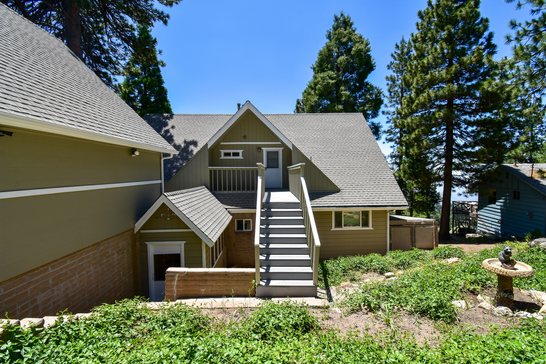 Single Family Homes for Sale at 2483 Spring Oak Drive, Running Springs California 2483 Spring Oak Drive Running Springs, California 92382 United States