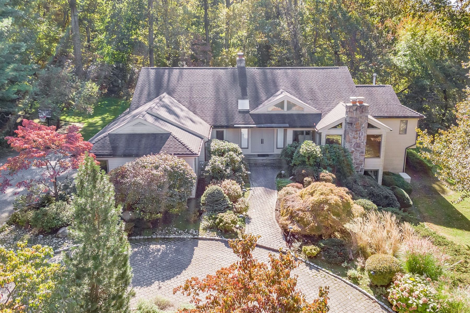 Single Family Home for Sale at Elegant Ranch 15 Johnson Court, Cresskill, New Jersey 07626 United States