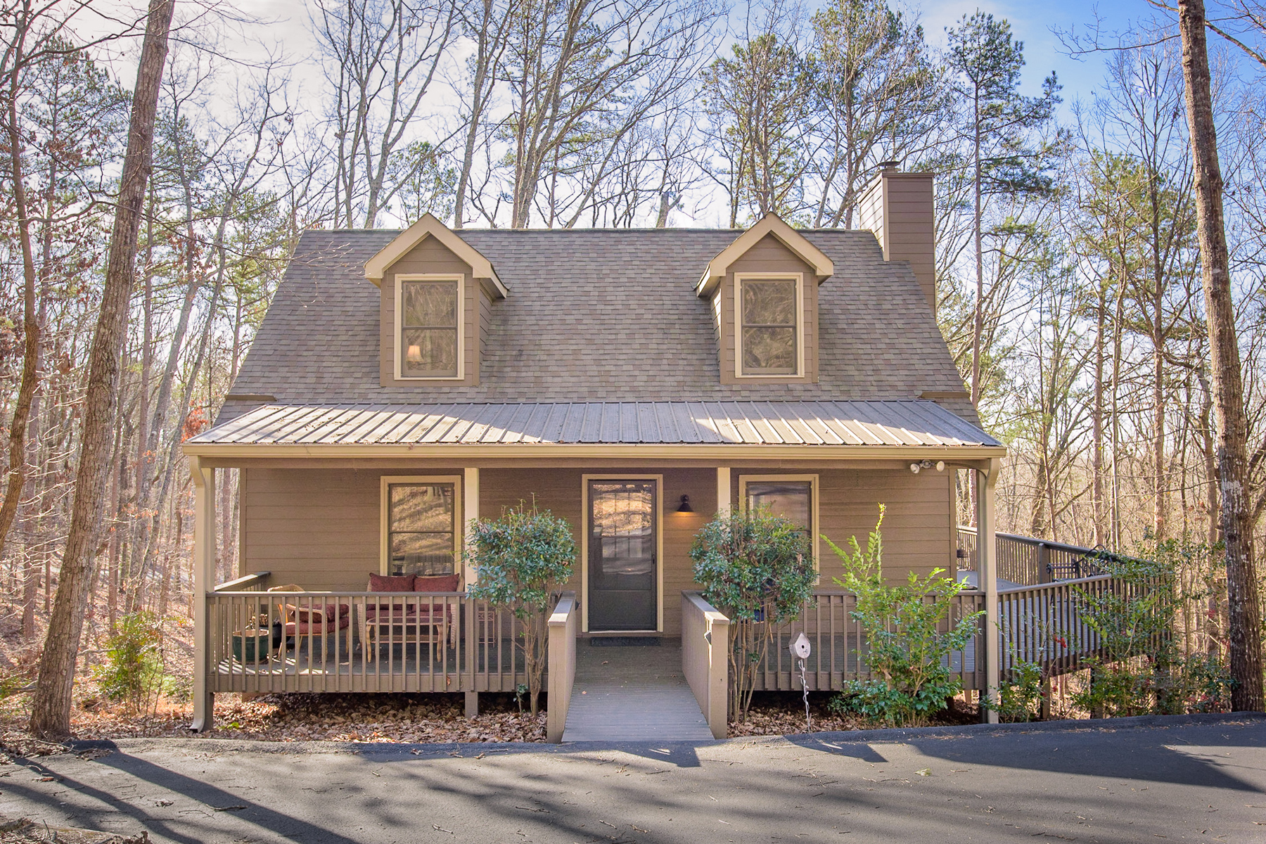 Single Family Home for Rent at Immaculate Home On Huge Corner Lot 21 Yearling Lane Big Canoe, Georgia 30143 United States