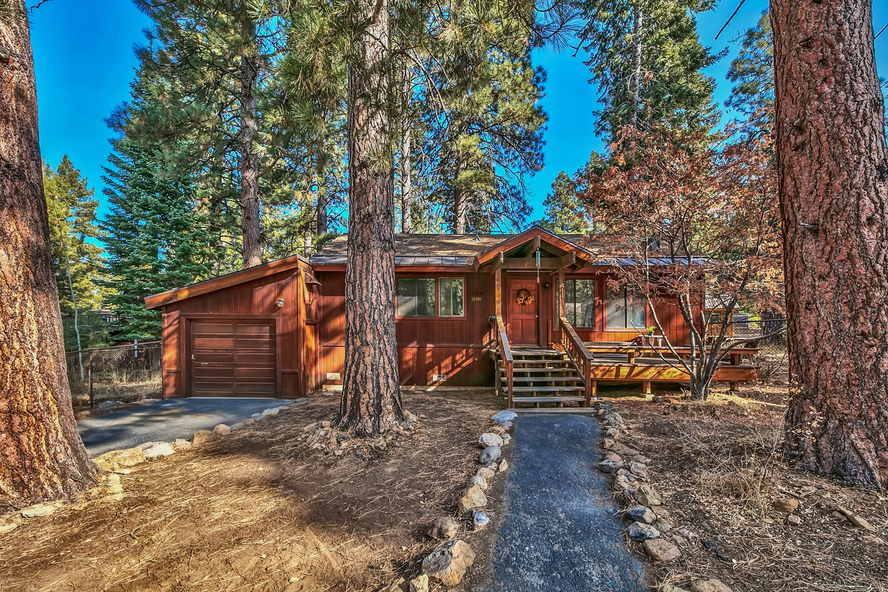 Single Family Home for Active at 10541 Saxon Way, Truckee, Way 10541 Saxon Way Truckee, California 96161 United States