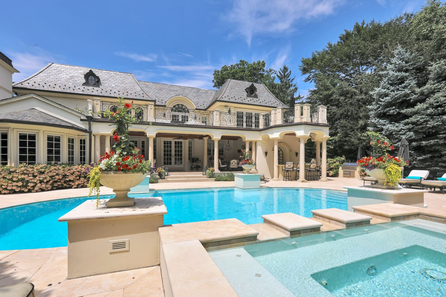 Single Family Homes for Active at Luxury and Sophistication 186 Hoover Dr Cresskill, New Jersey 07626 United States
