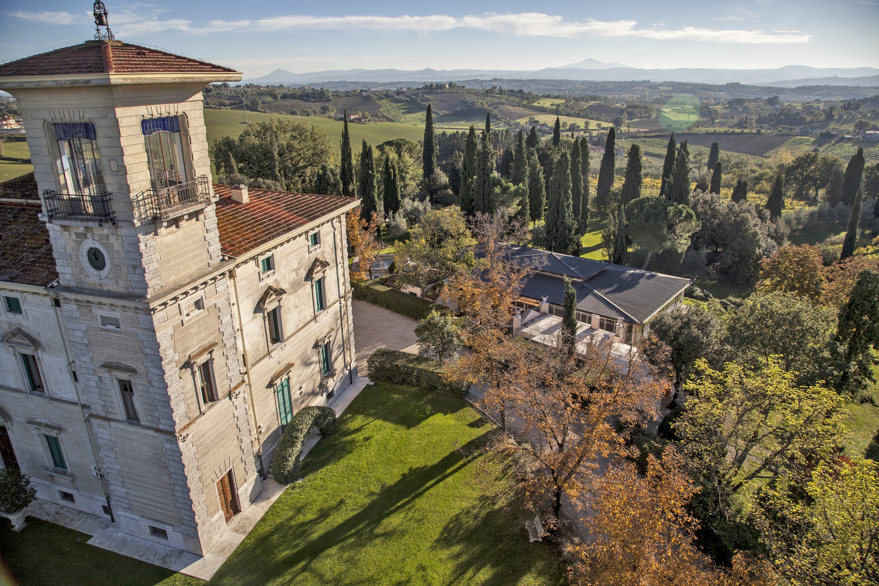 Additional photo for property listing at Magnificent liberty style villa in the heart of Tuscany Foiano della Chiana Arezzo, Arezzo 52045 Italy
