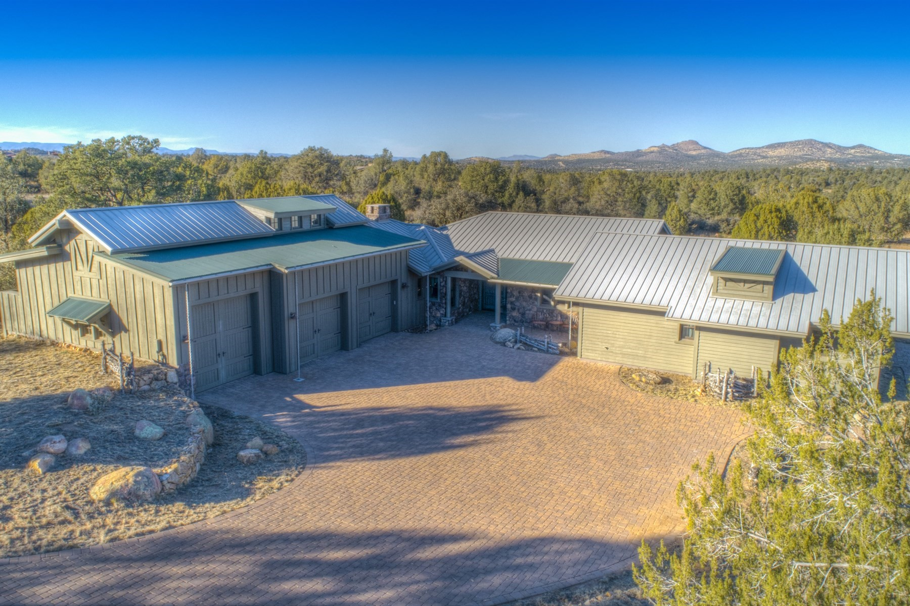 single family homes for Active at Gorgeous Custom Ranch Style Home 4991 W Three Forks Road Prescott, Arizona 86305 United States