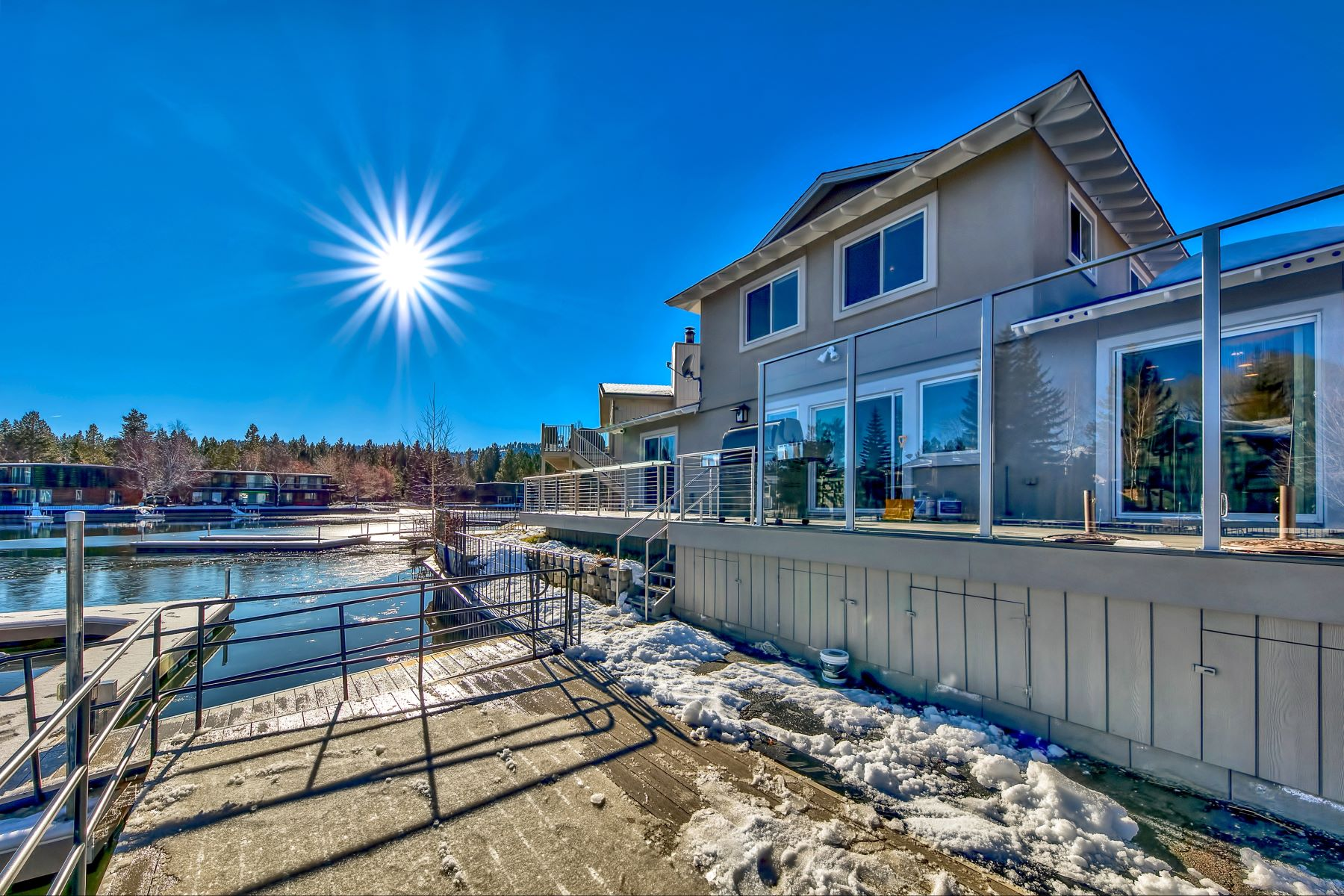 Additional photo for property listing at 2030 Garmish Ct,South Lake Tahoe, CA 96150 2030 Garmish Court South Lake Tahoe, California 96150 United States