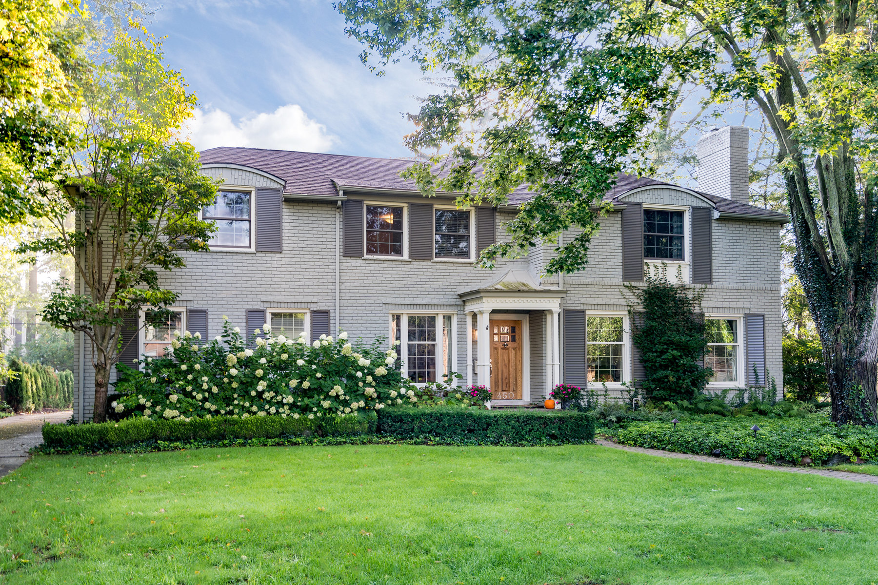 Single Family Homes 为 销售 在 Bloomfield Township 450 Westwood Drive Bloomfield Township, 密歇根州 48301 美国
