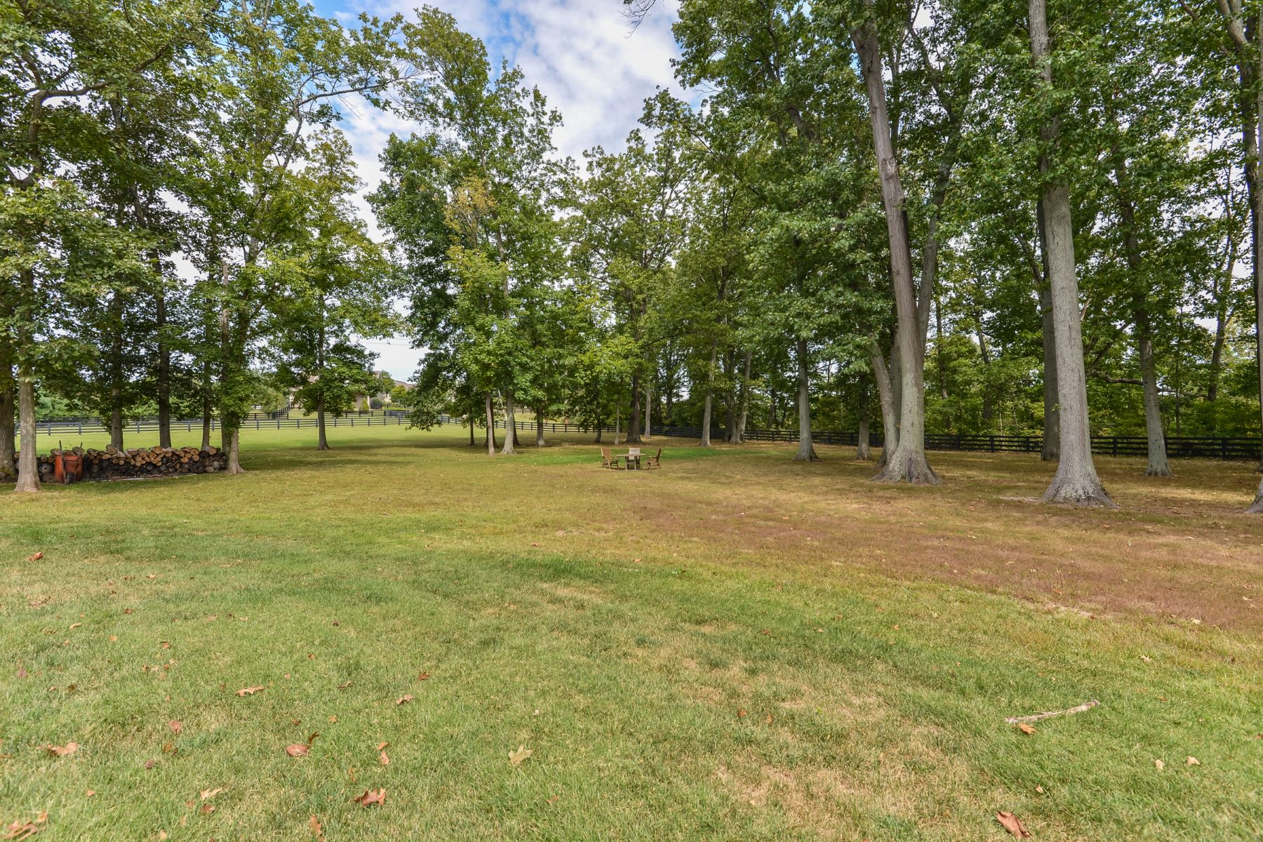 Additional photo for property listing at 15501 Beckley Crossing Drive  Louisville, Kentucky 40245 United States