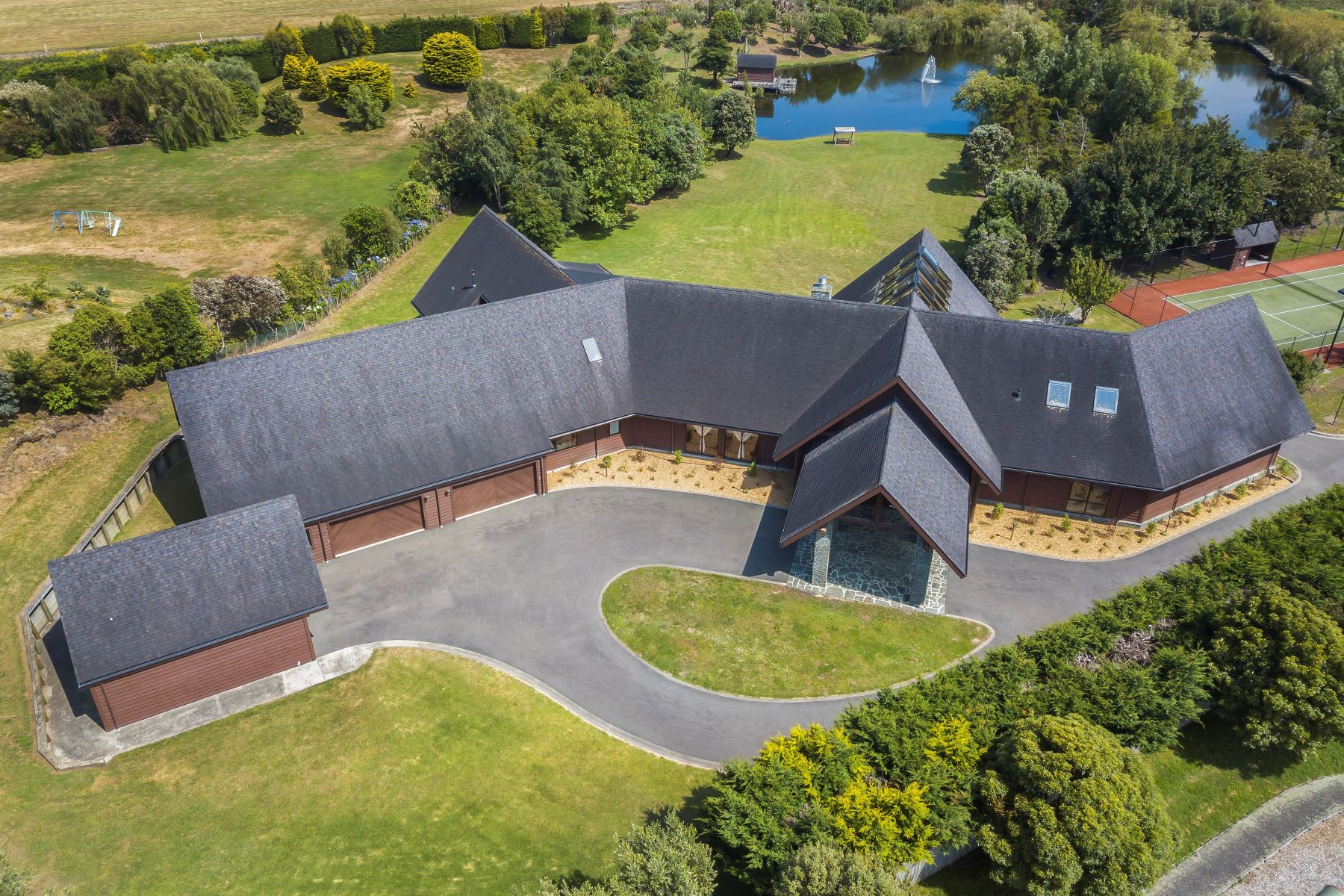 Single Family Homes для того Продажа на 132 Milne Drive, Paraparaumu Wellington, Веллингтон 5032 Новая Зеландия
