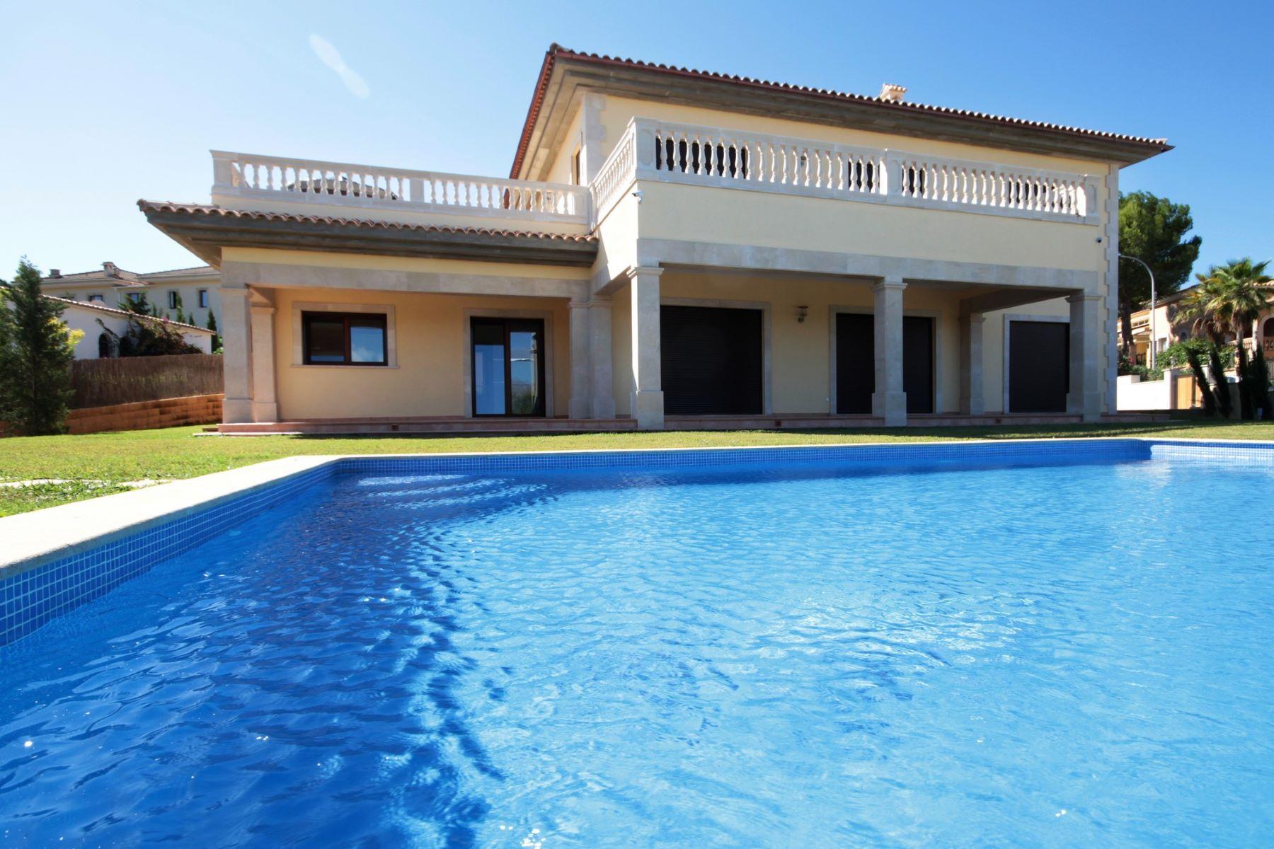 واحد منزل الأسرة للـ Sale في Mediterranean villa in Santa Ponsa Santa Ponsa, Balearic Islands, Spain