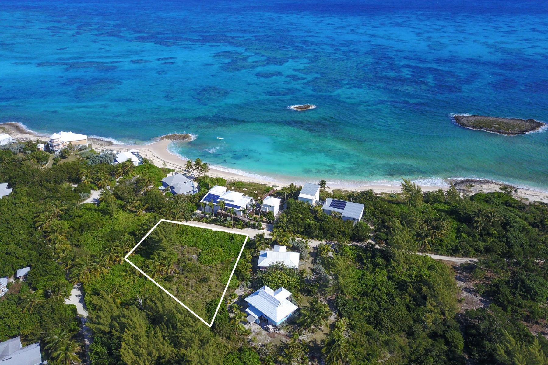 Additional photo for property listing at Beachside Elbow Cay Hope Town, Abaco Bahamas