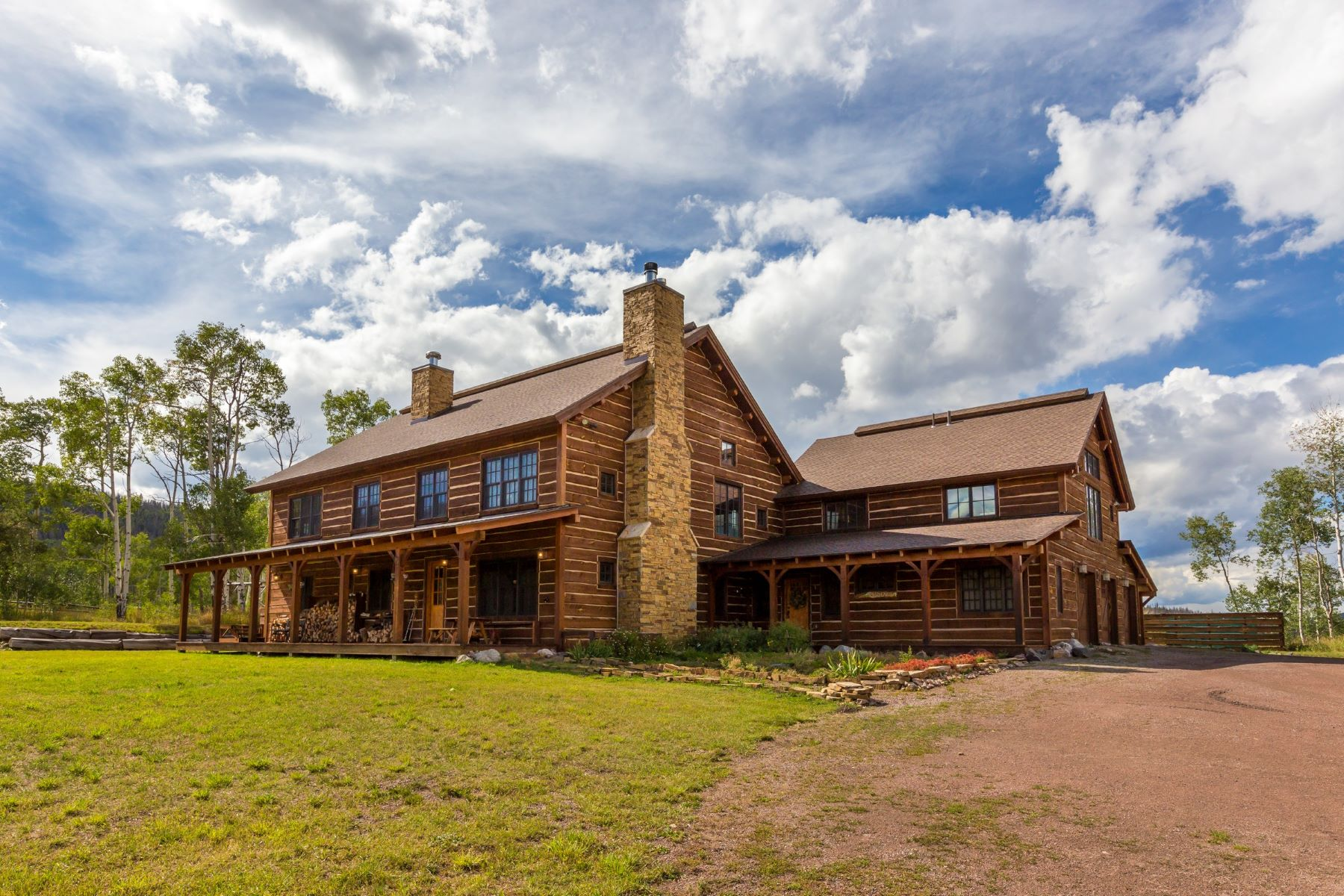 Granjas / Hacienda / Platanción por un Venta en Hideaway Ranch 16555 CR 16 Oak Creek, Colorado 80467 Estados Unidos