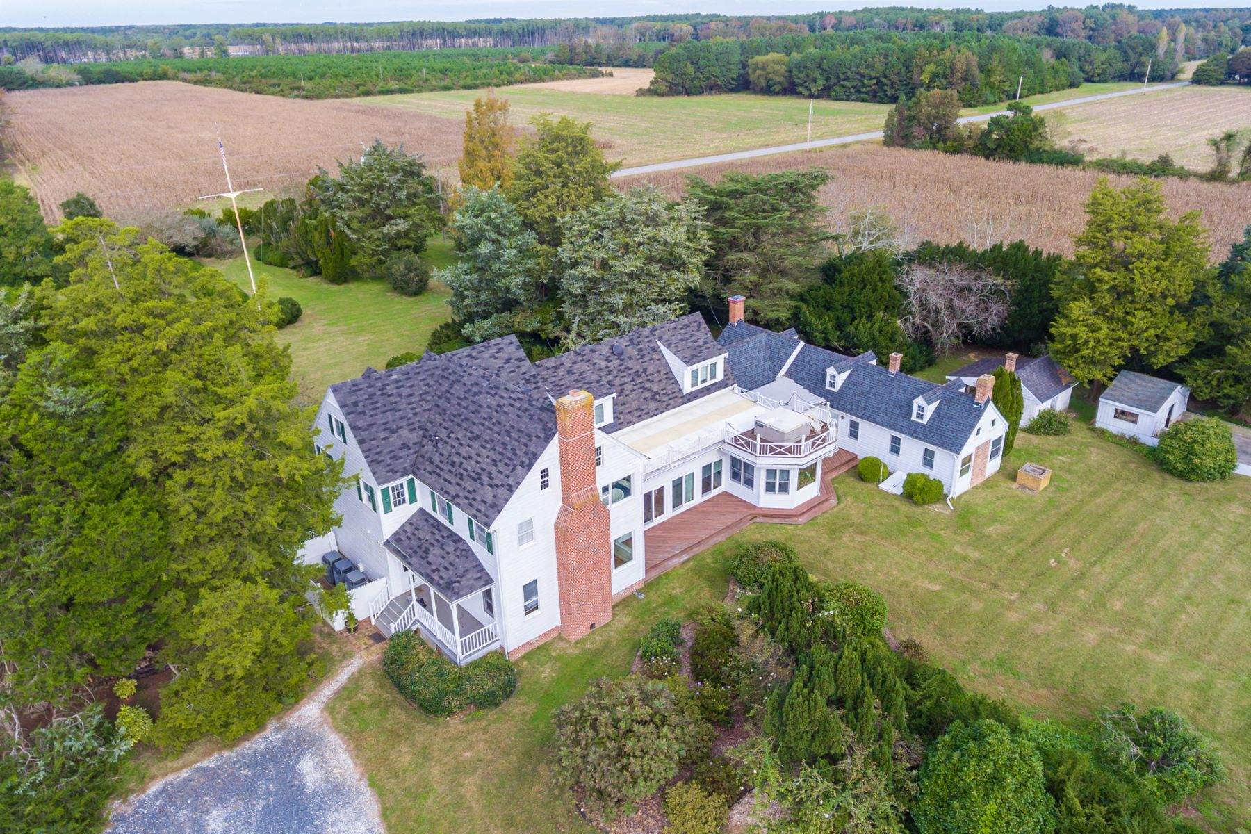 Single Family Homes por un Venta en 33457 Bradfords Neck Rd Wachapreague, Virginia 23480 Estados Unidos