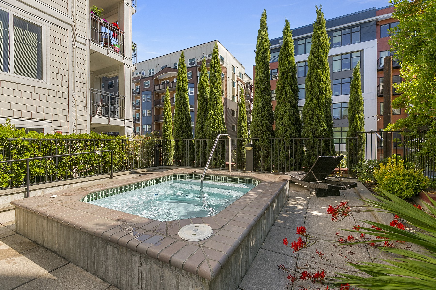 Additional photo for property listing at Ballard Modern Living 1525 NW 57th Street #503 Seattle, Washington 98107 États-Unis