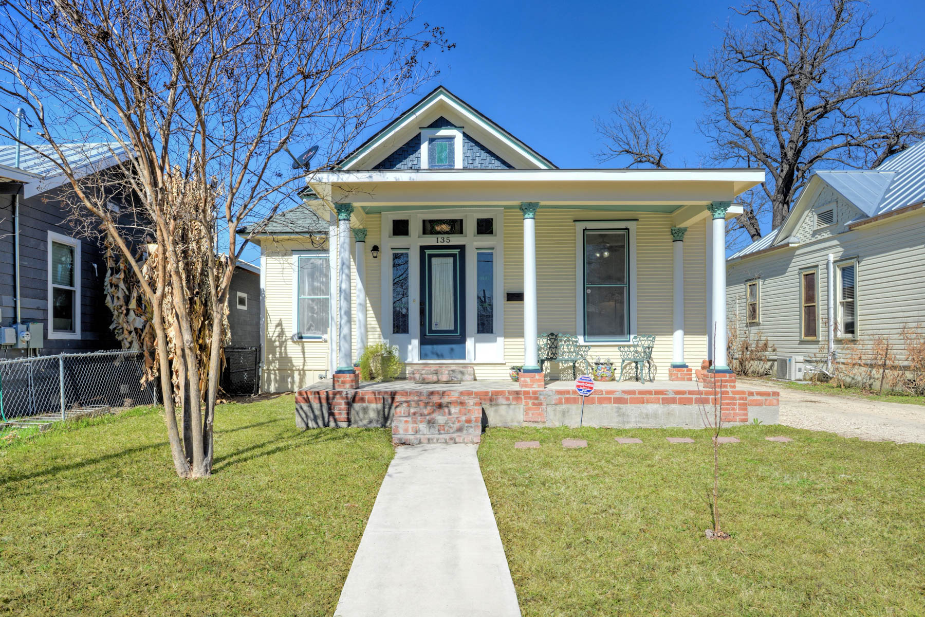 Single Family Home for Rent at 135 Vitra Place 135 Vitra Place San Antonio, Texas 78210 United States