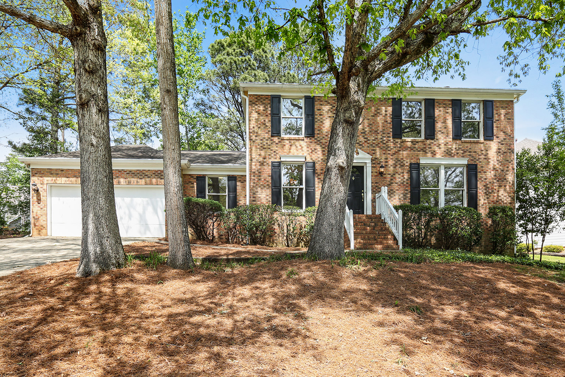 """Single Family Home for Active at Traditional """"Gem"""" Located In Highly Rated Marietta School District 4619 Villa Chase Drive NE Marietta, Georgia 30068 United States"""