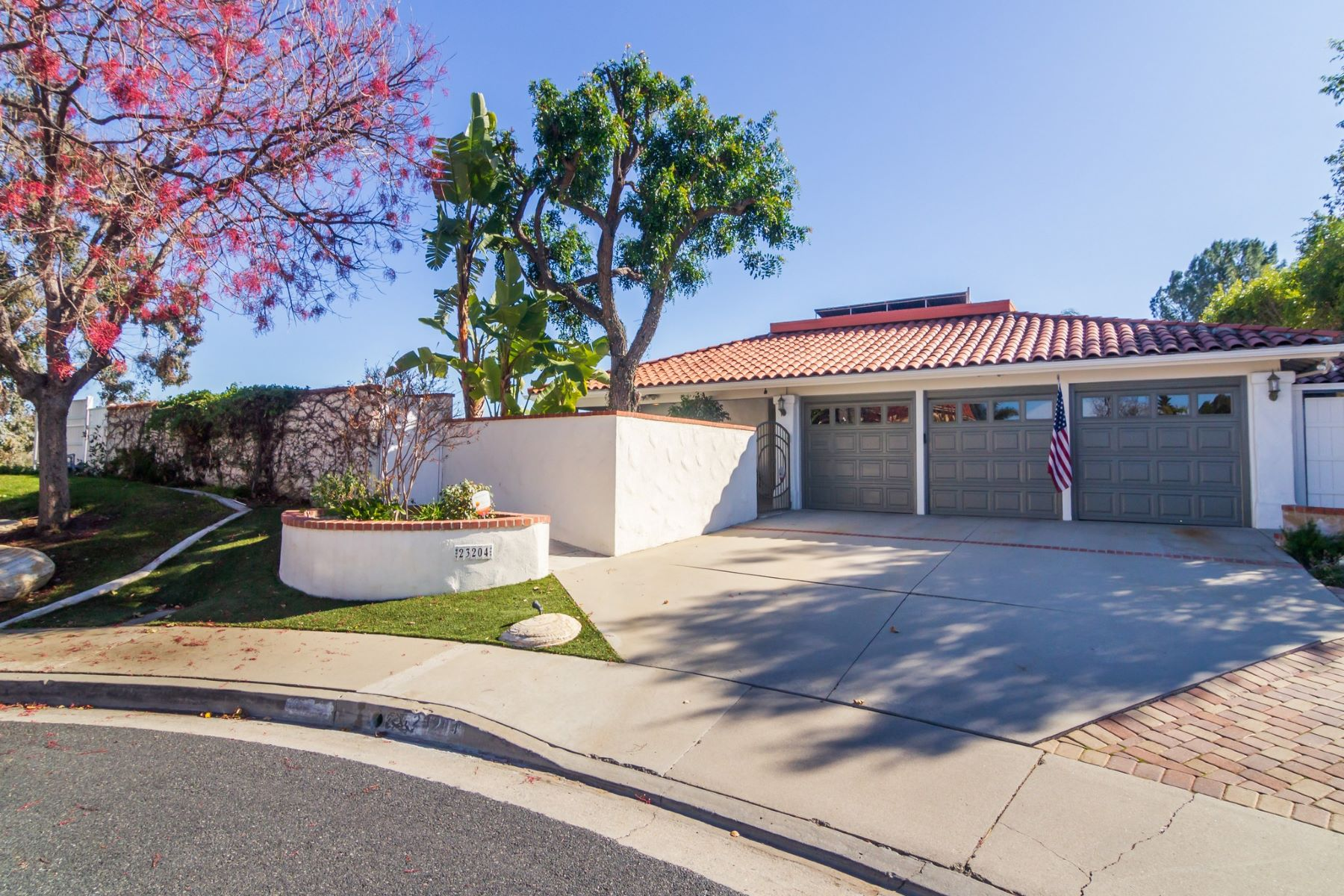 Single Family Homes para Venda às Calabasas, Califórnia 91302 Estados Unidos