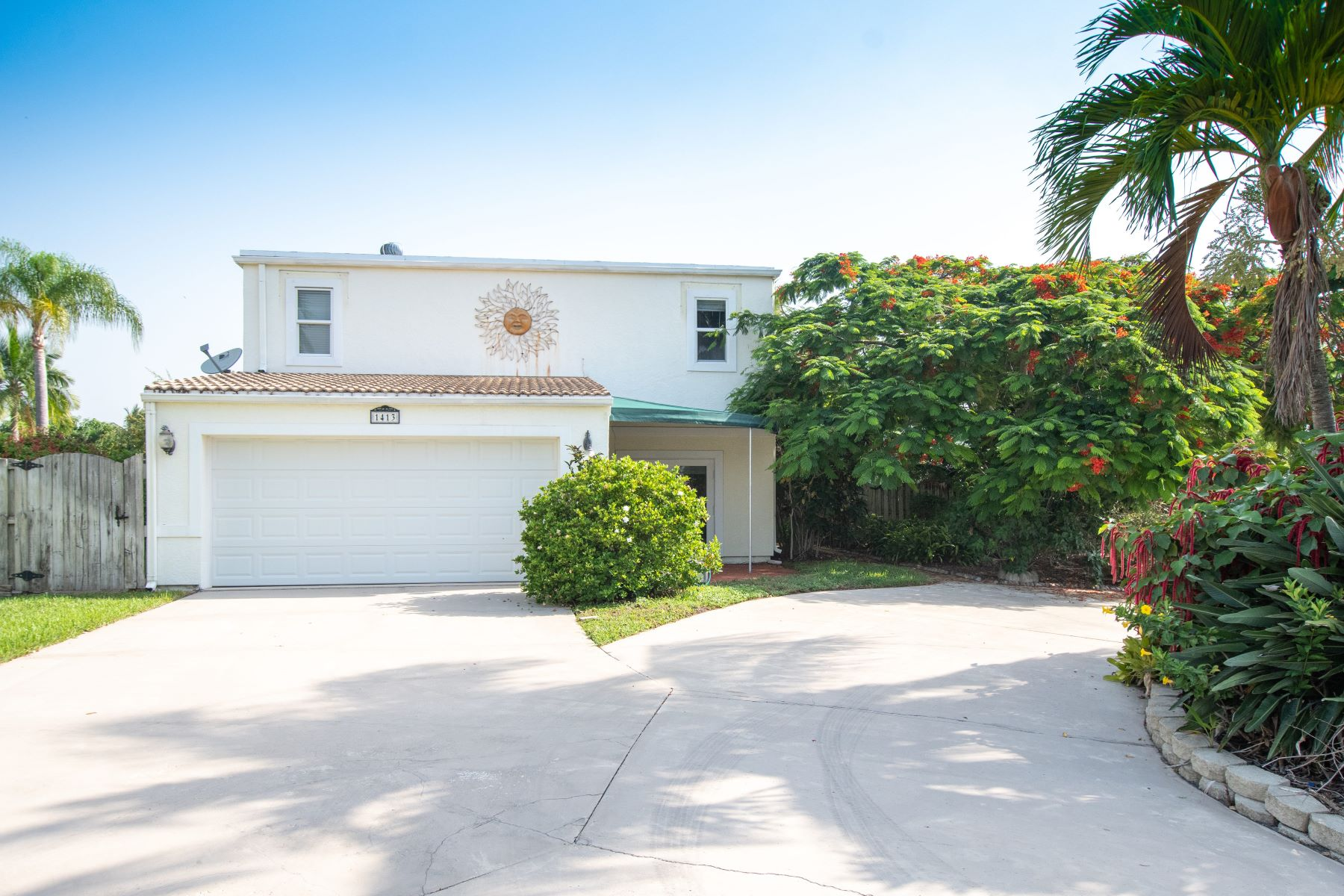 Single Family Homes for Sale at 1413 Mediterranean Road E Lake Clarke Shores, Florida 33406 United States