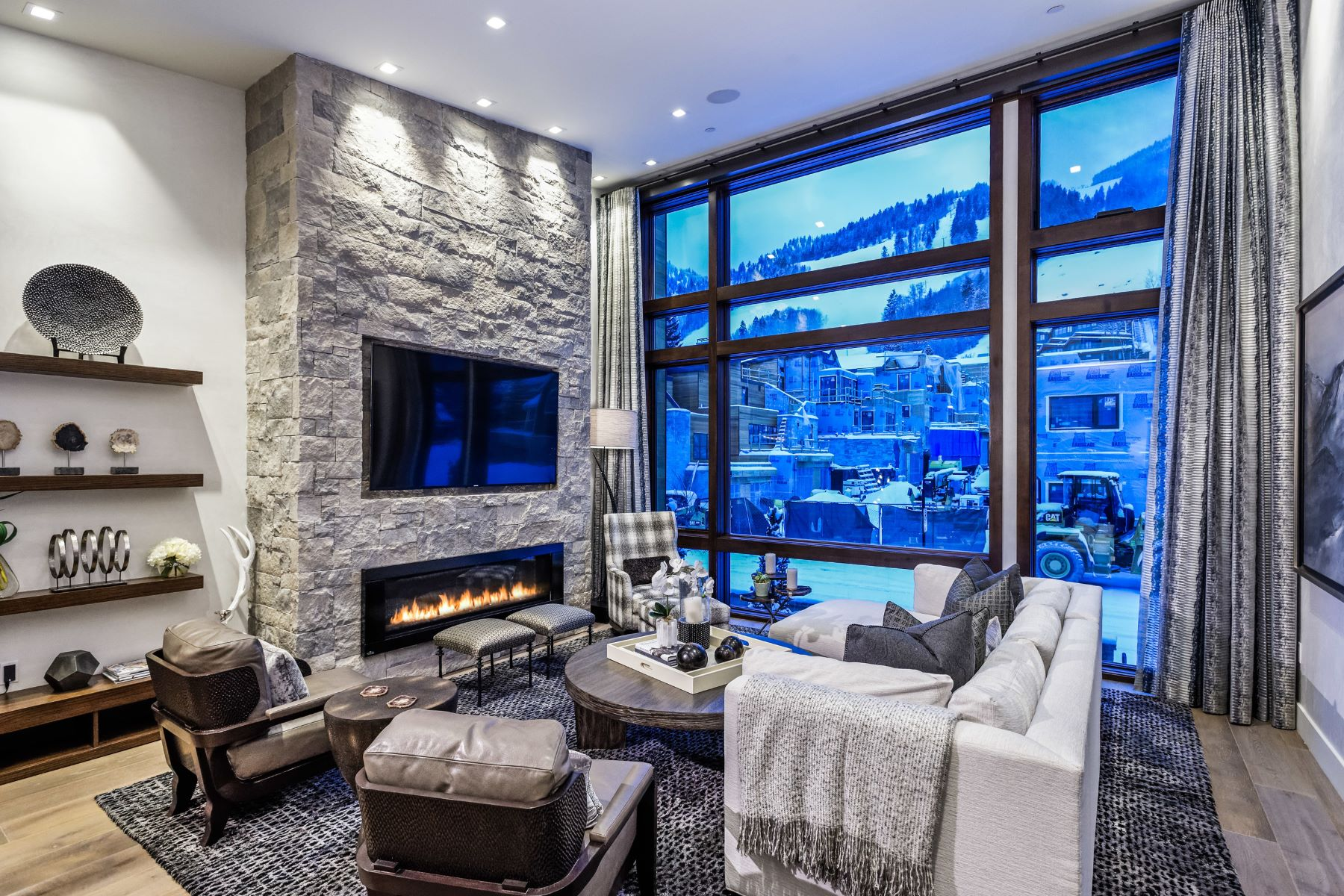 Townhouse for Active at Downtown Luxury 122 S Juan Street Aspen, Colorado 81611 United States