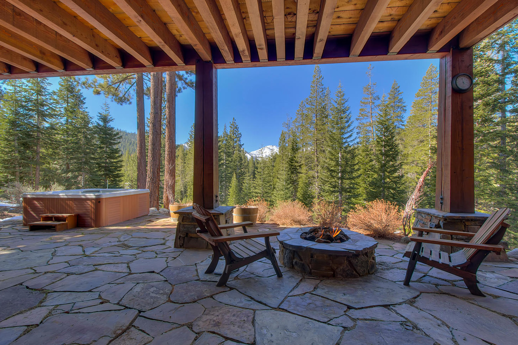 Additional photo for property listing at 115 Creekview Court, Olympic Valley, Ca 96146 115 Creekview Court Olympic Valley, California 96146 United States
