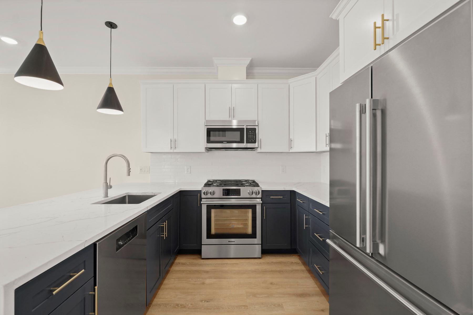 Condominiums por un Venta en 4281 Washington St 2B Boston, Massachusetts 02131 Estados Unidos