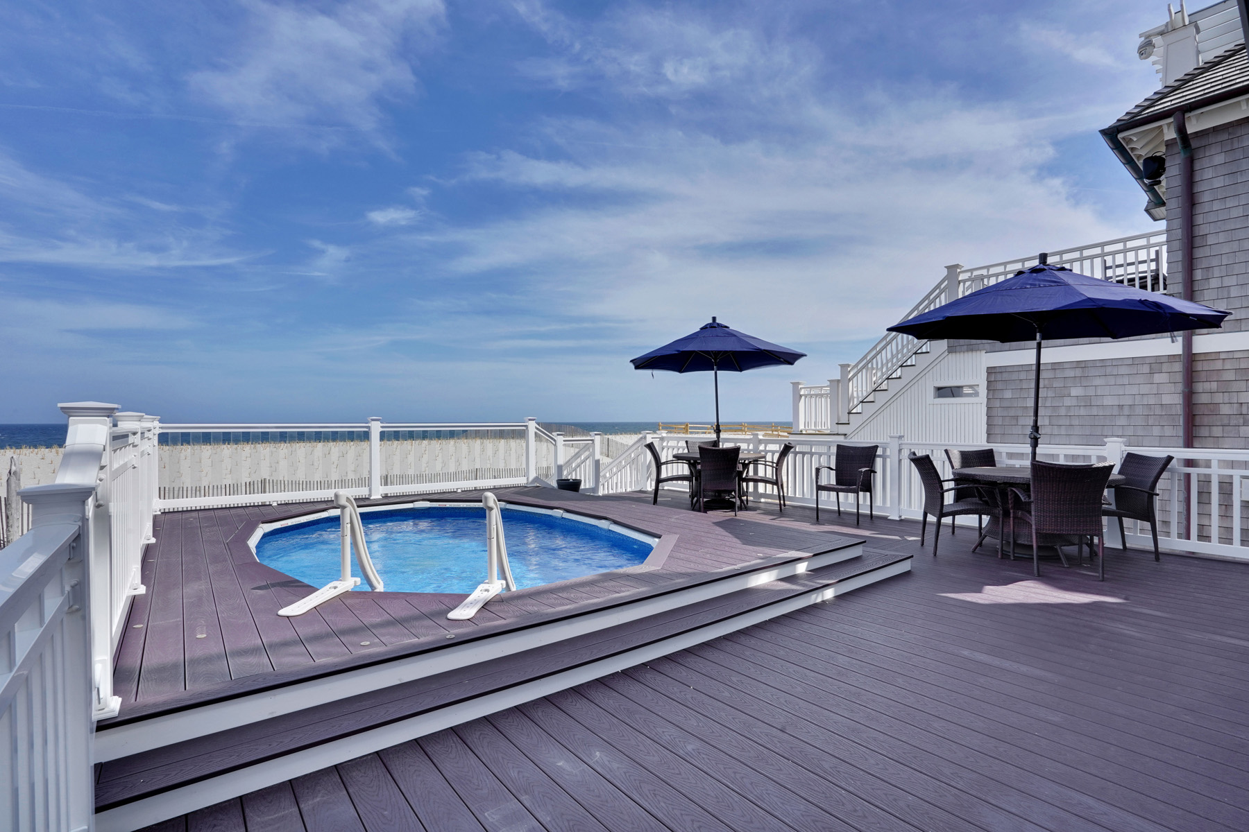 Moradia para Venda às Stunning Ocean Views From Every Level Of This Custom Built Oceanfront Home 3688 Ocean Terrace, Normandy Beach, Nova Jersey 08739 Estados Unidos