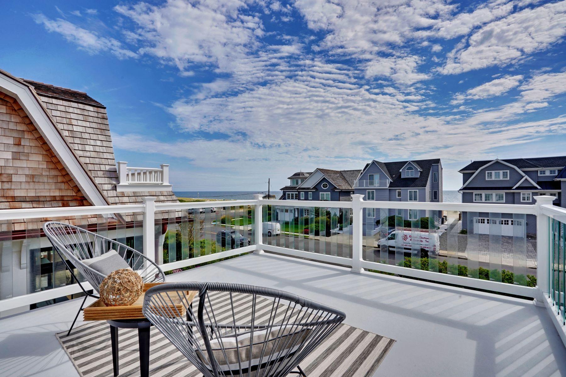 Single Family Homes por un Venta en Seaside Escape 804 1st Avenue Sea Girt, Nueva Jersey 08750 Estados Unidos