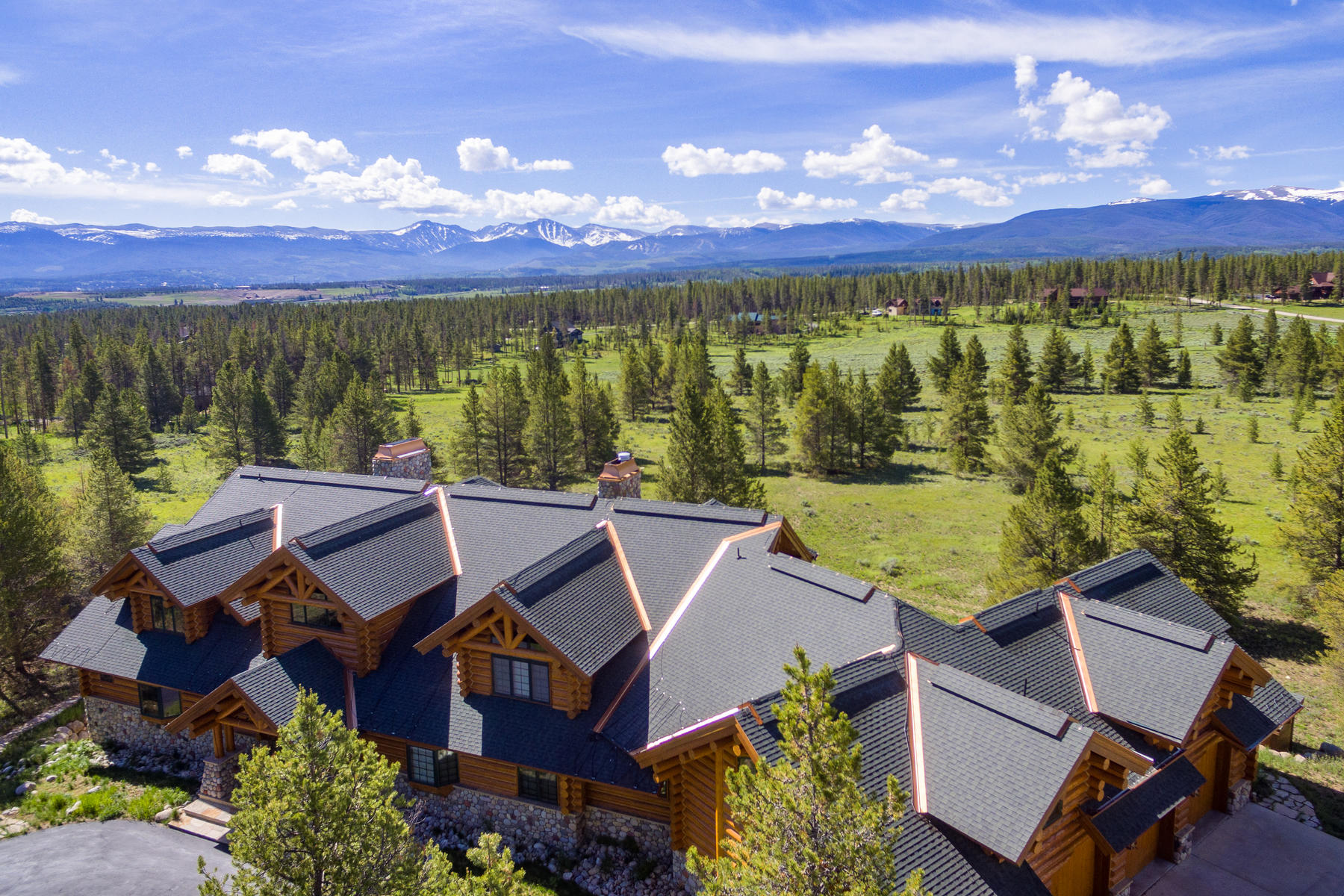 Single Family Homes for Active at Luxury Log Home 1256 GCR 5171 Fraser, Colorado 80442 United States