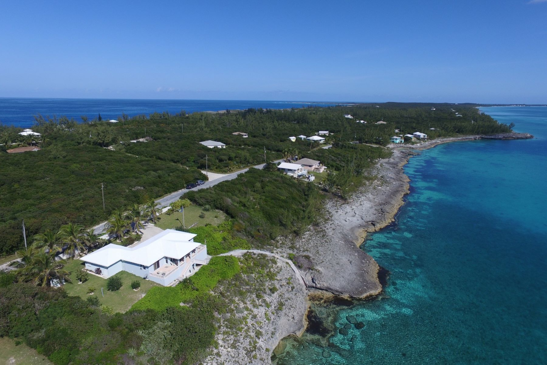 Maison unifamiliale pour l à vendre à Hillside Home with Remarkable Water Frontage Rainbow Bay, Eleuthera, Bahamas