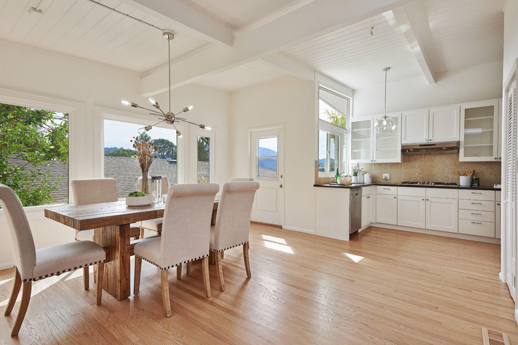 Single Family Homes por un Venta en Gleaming With Pride! 65 Via La Cumbre Greenbrae, California 94904 Estados Unidos