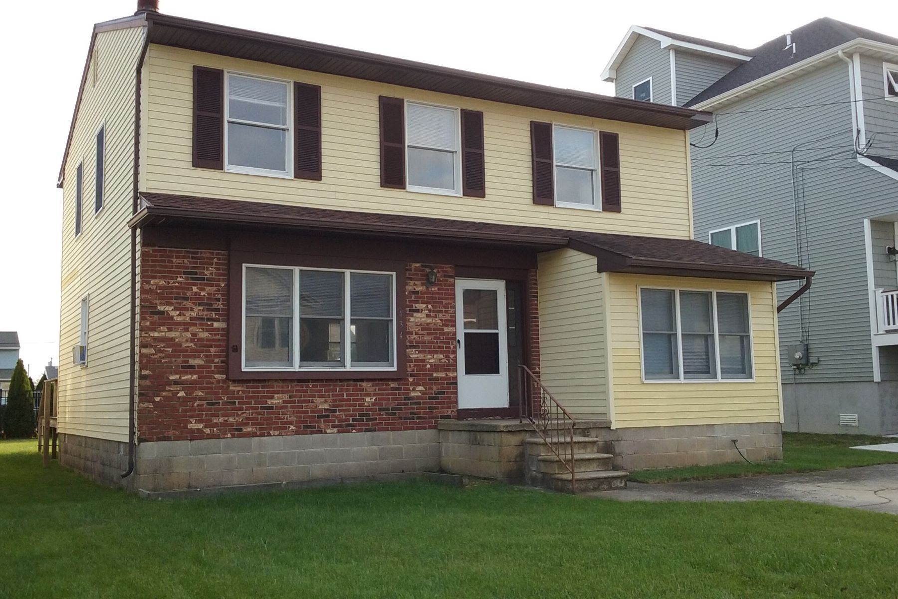 Single Family Home for Sale at 434 Lafayette Blvd Brigantine, New Jersey 08203 United States