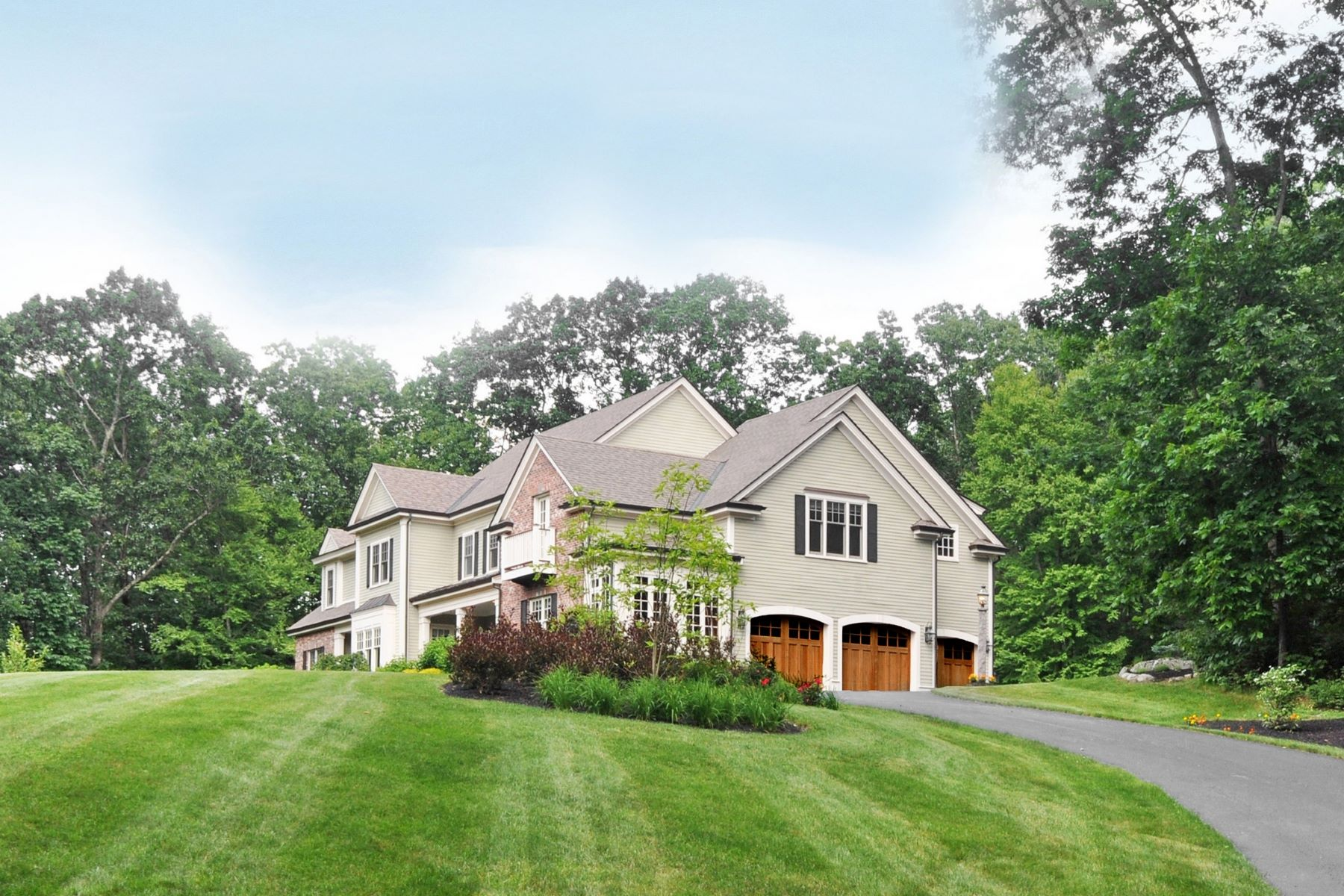 Single Family Homes for Sale at 4 Alcorn Crossing, Westford 4 Alcorn Crossing Westford, Massachusetts 01886 United States