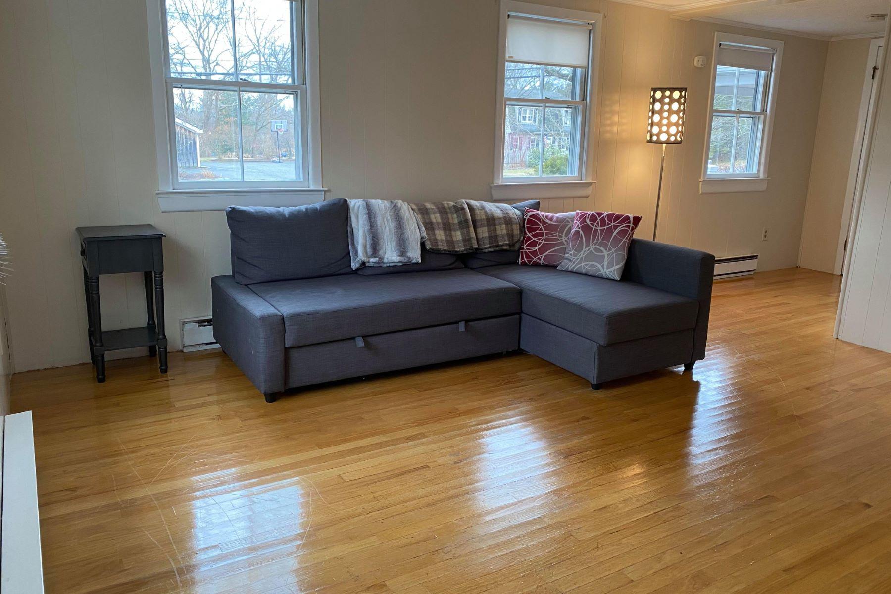 Other Residential Homes por un Venta en 420 Main St 2 Acton, Massachusetts 01720 Estados Unidos