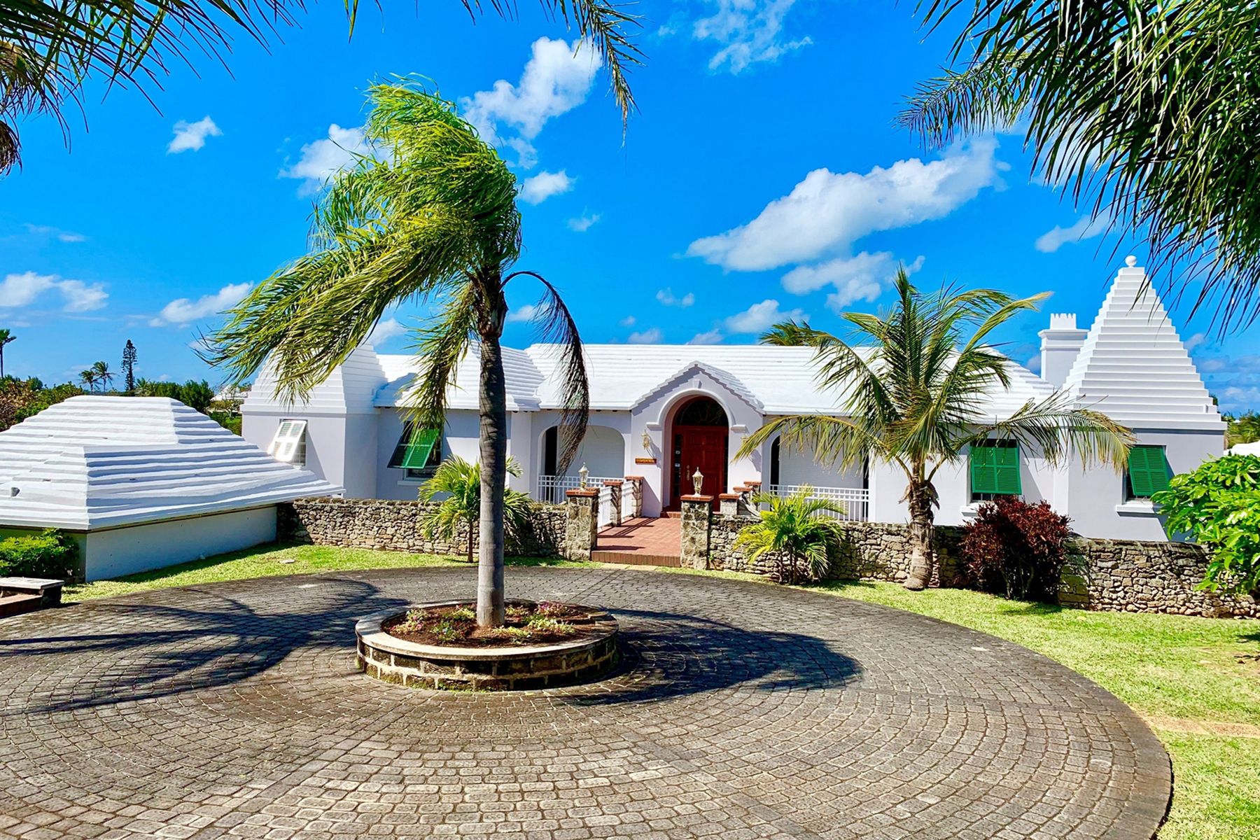 Single Family Homes for Sale at Hampton Head Southampton, Other Areas In Bermuda Bermuda